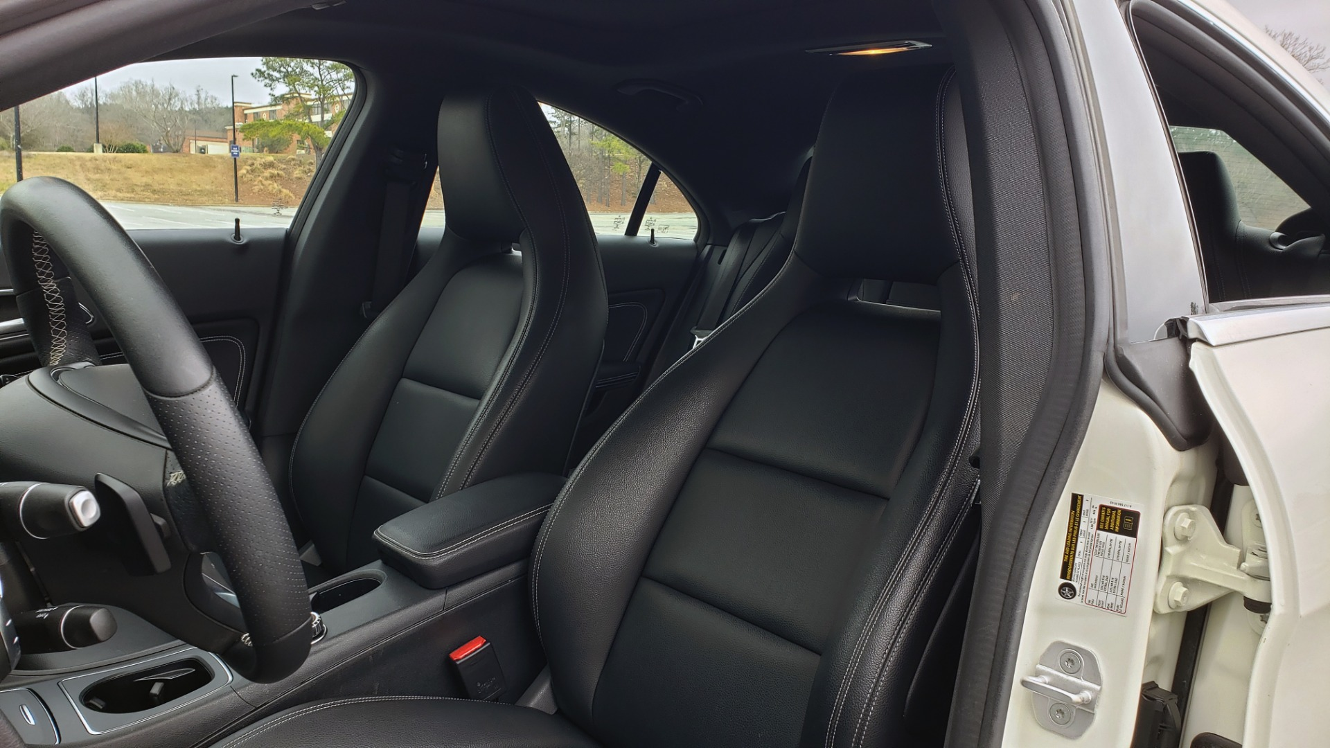 Used 2018 Mercedes-Benz CLA 250 PREMIUM / NAV / PANO-ROOF / APPLE CARPLAY / REARVIEW for sale $23,995 at Formula Imports in Charlotte NC 28227 34