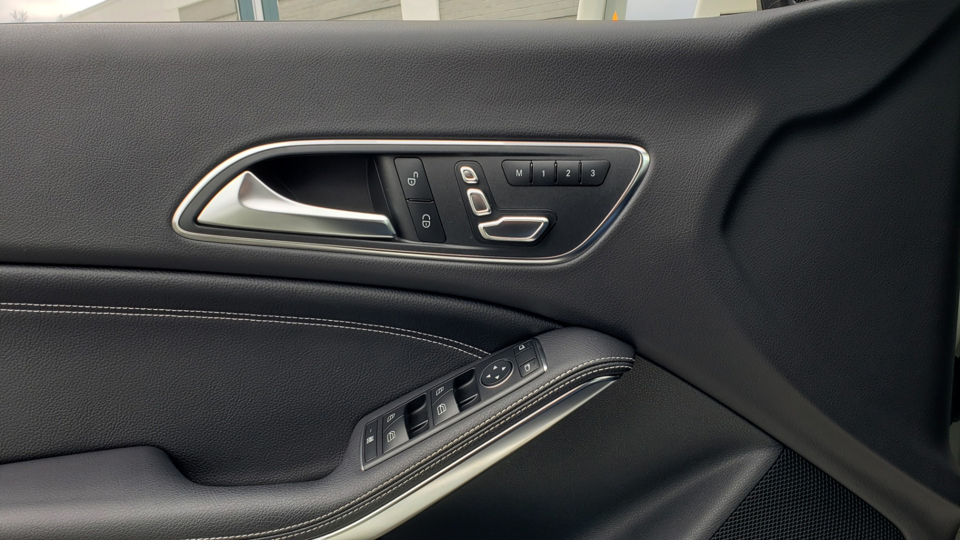 Used 2018 Mercedes-Benz CLA 250 PREMIUM / NAV / PANO-ROOF / APPLE CARPLAY / REARVIEW for sale $23,995 at Formula Imports in Charlotte NC 28227 38