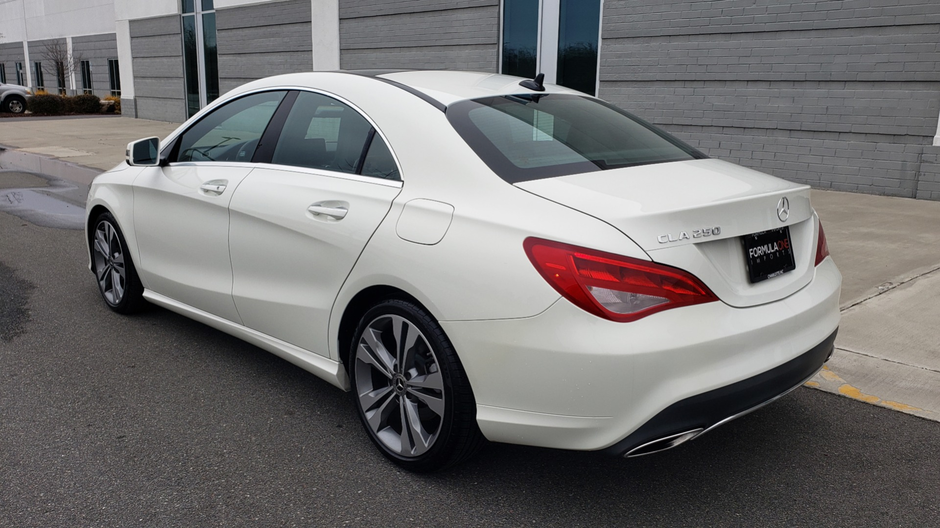 Used 2018 Mercedes-Benz CLA 250 PREMIUM / NAV / PANO-ROOF / APPLE CARPLAY / REARVIEW for sale $23,995 at Formula Imports in Charlotte NC 28227 5