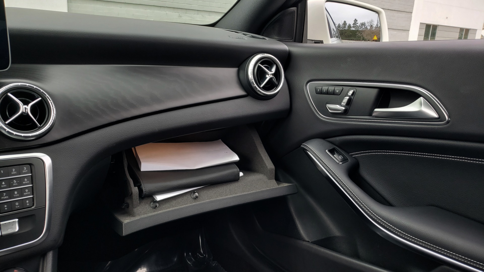 Used 2018 Mercedes-Benz CLA 250 PREMIUM / NAV / PANO-ROOF / APPLE CARPLAY / REARVIEW for sale $23,995 at Formula Imports in Charlotte NC 28227 52