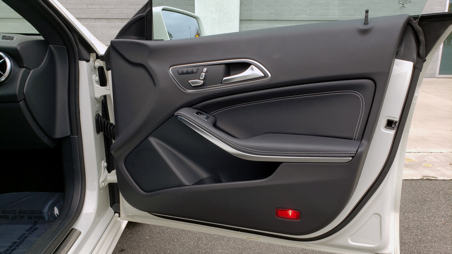 Used 2018 Mercedes-Benz CLA 250 PREMIUM / NAV / PANO-ROOF / APPLE CARPLAY / REARVIEW for sale $23,995 at Formula Imports in Charlotte NC 28227 63