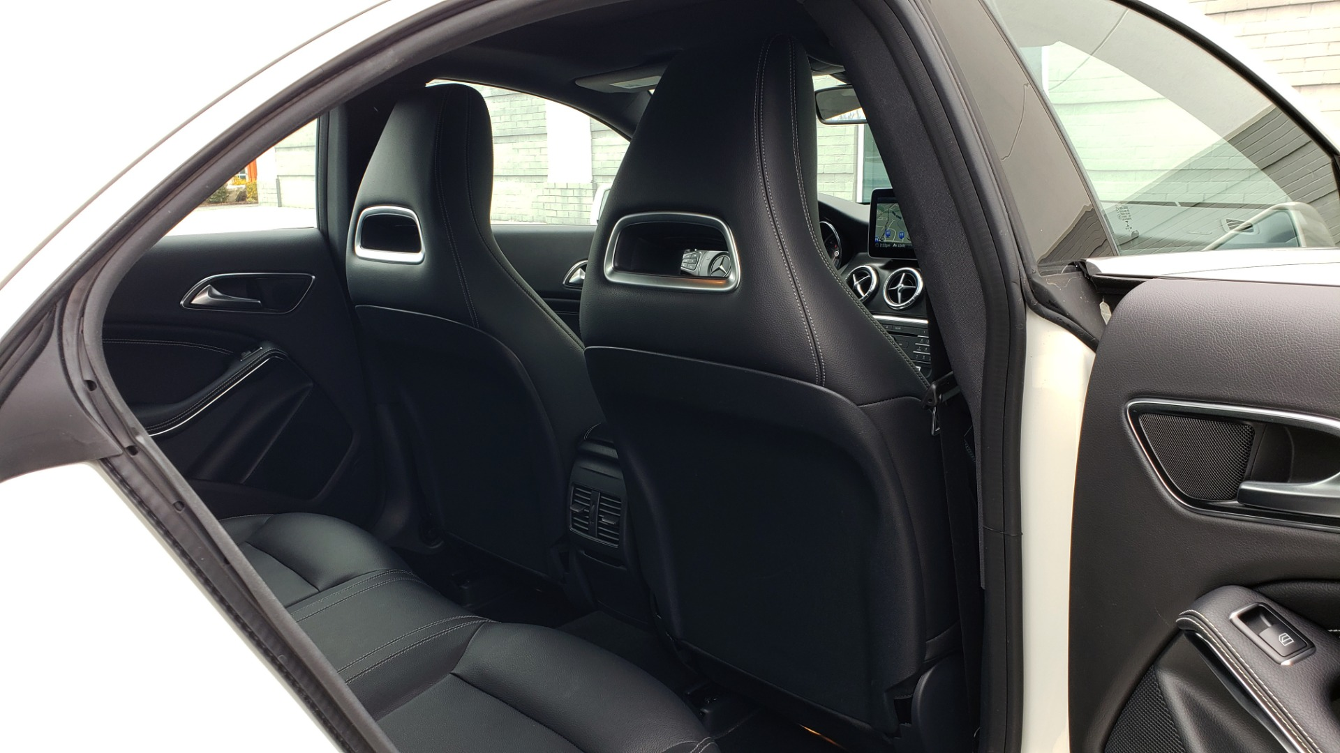 Used 2018 Mercedes-Benz CLA 250 PREMIUM / NAV / PANO-ROOF / APPLE CARPLAY / REARVIEW for sale $23,995 at Formula Imports in Charlotte NC 28227 75