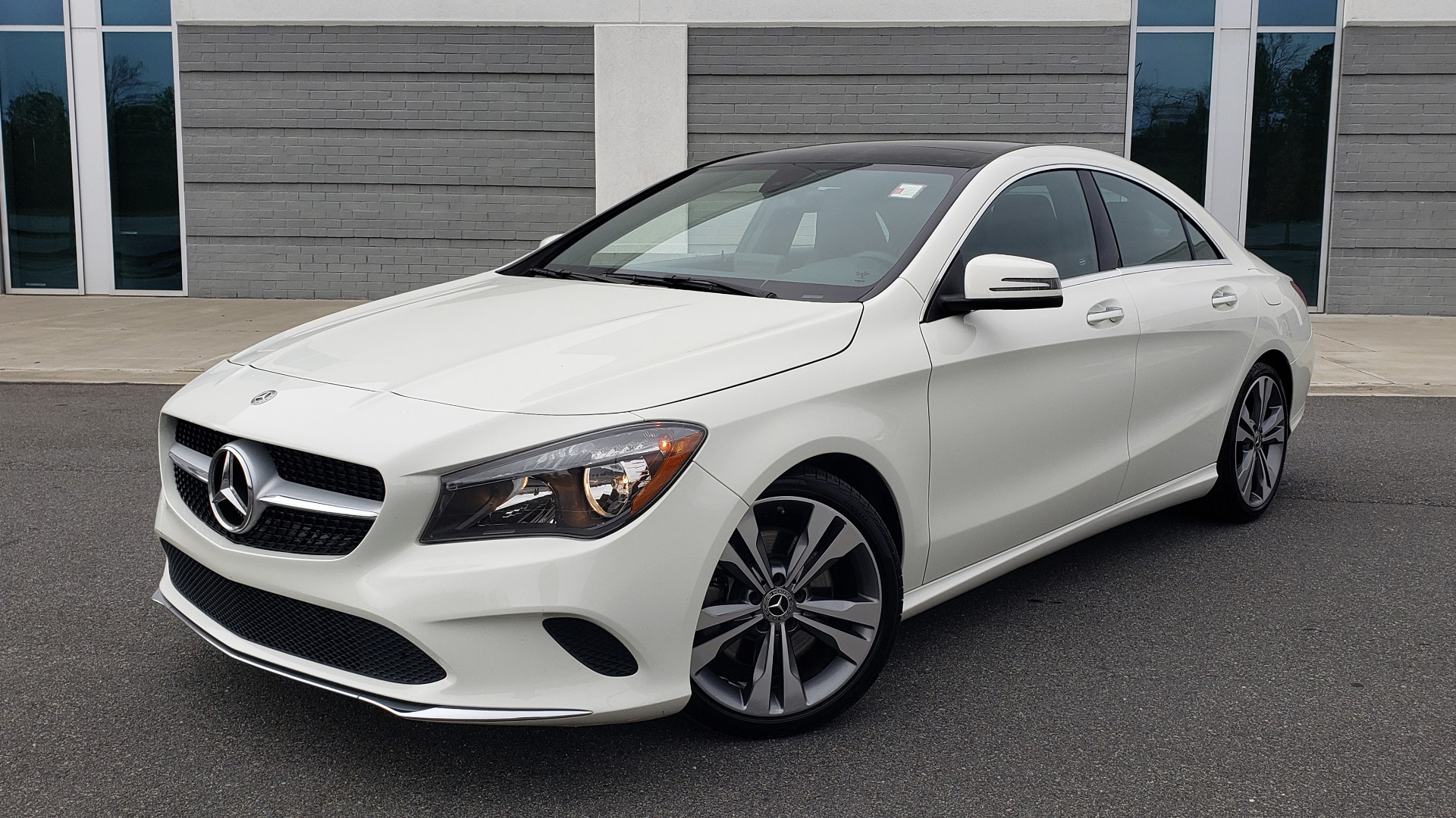Used 2018 Mercedes-Benz CLA 250 PREMIUM / NAV / PANO-ROOF / APPLE CARPLAY / REARVIEW for sale $23,995 at Formula Imports in Charlotte NC 28227 1