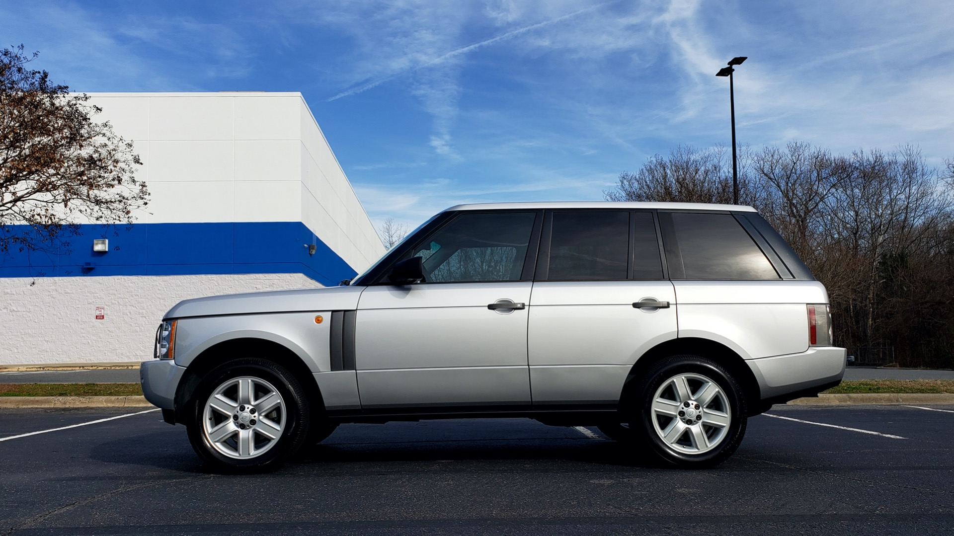 Used 2005 Land Rover RANGE ROVER HSE / V8 / NAV / SUNROOF / HTD STS / HTD STRNG WHL for sale Sold at Formula Imports in Charlotte NC 28227 2