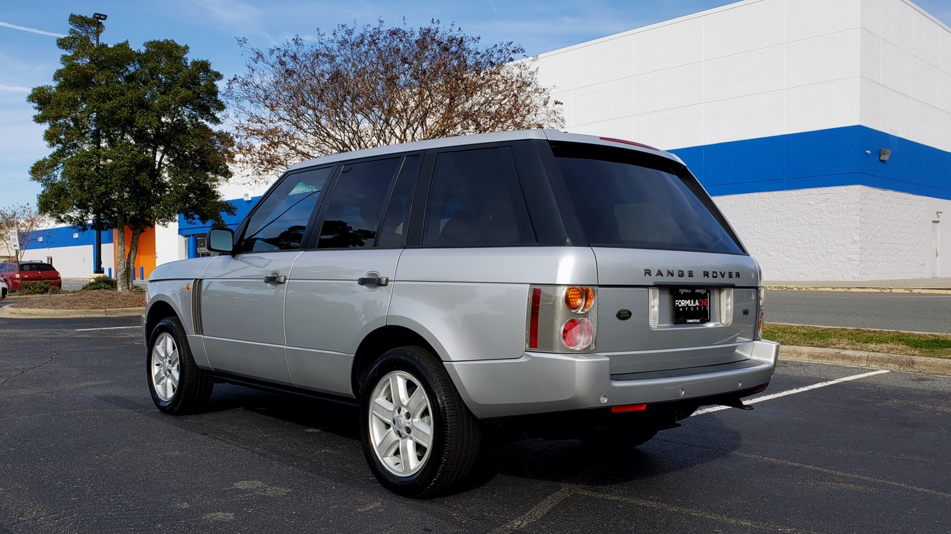 Used 2005 Land Rover RANGE ROVER HSE / V8 / NAV / SUNROOF / HTD STS / HTD STRNG WHL for sale Sold at Formula Imports in Charlotte NC 28227 3