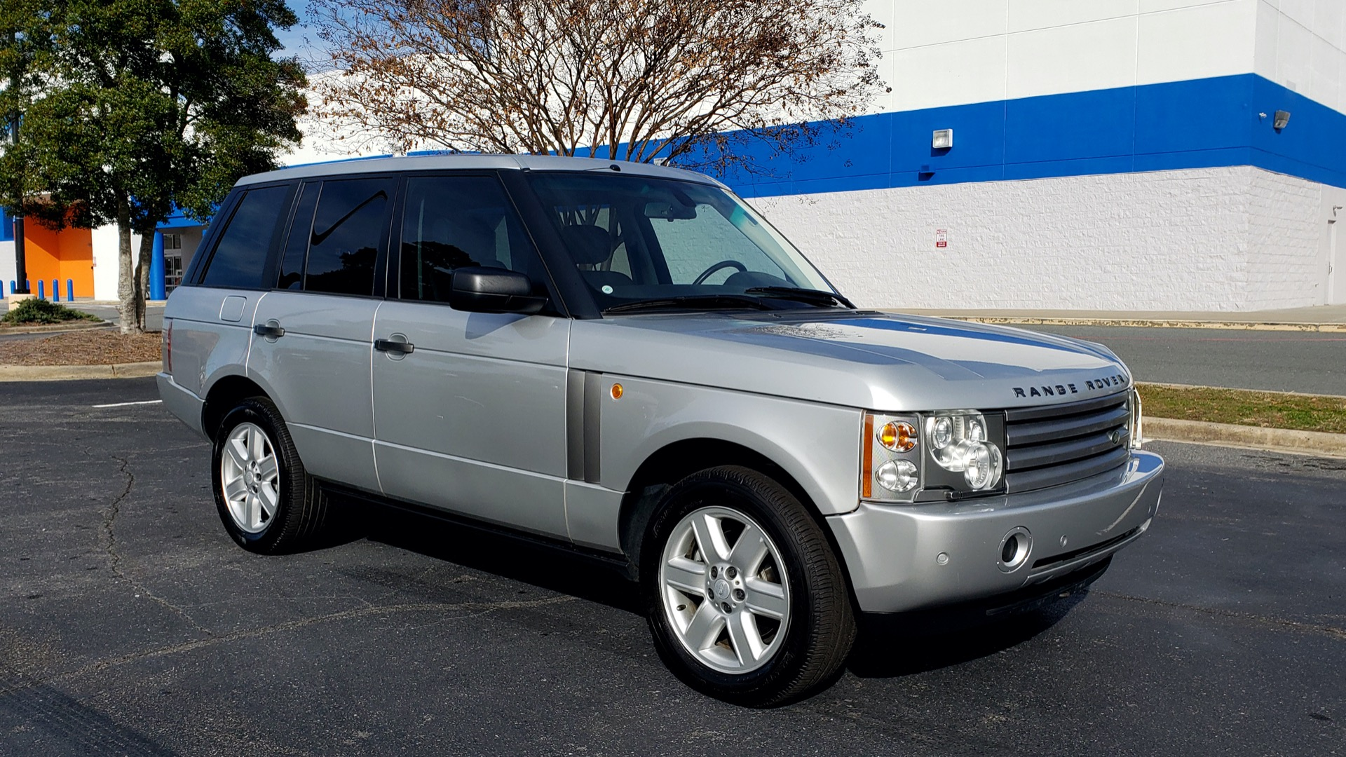 Used 2005 Land Rover RANGE ROVER HSE / V8 / NAV / SUNROOF / HTD STS / HTD STRNG WHL for sale Sold at Formula Imports in Charlotte NC 28227 4