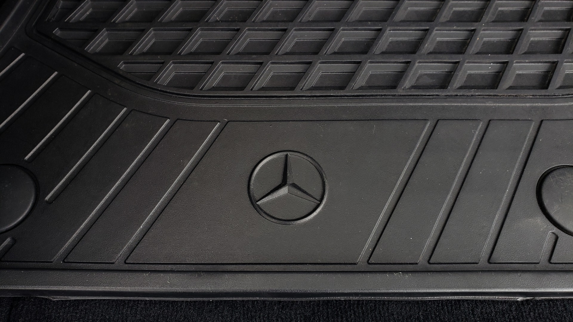 Used 2018 Mercedes-Benz GLC 300 4MATIC / PREM PKG / MULTIMEDIA / PANO-ROOF / BURMESTER for sale $33,995 at Formula Imports in Charlotte NC 28227 14