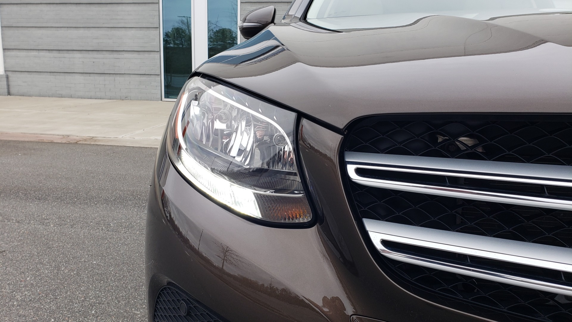 Used 2018 Mercedes-Benz GLC 300 4MATIC / PREM PKG / MULTIMEDIA / PANO-ROOF / BURMESTER for sale $33,995 at Formula Imports in Charlotte NC 28227 19