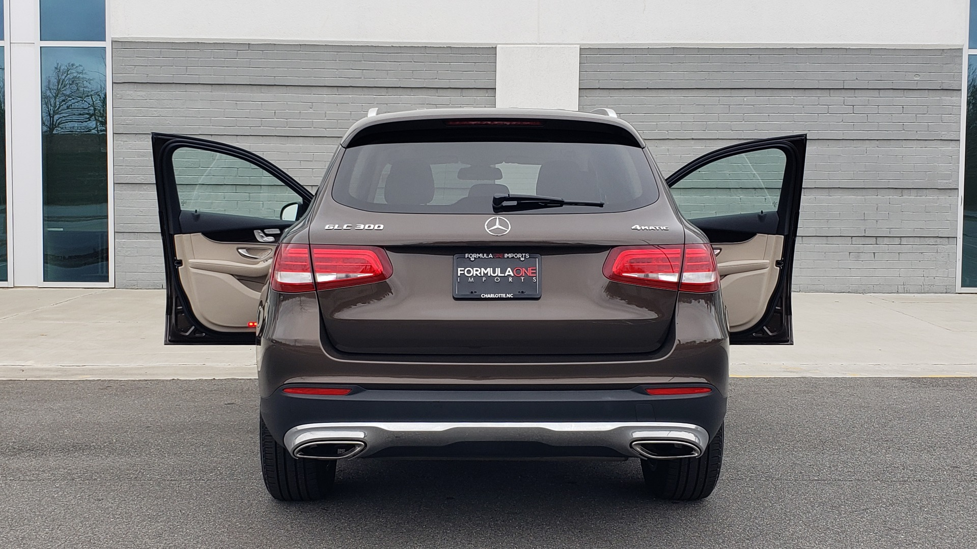 Used 2018 Mercedes-Benz GLC 300 4MATIC / PREM PKG / MULTIMEDIA / PANO-ROOF / BURMESTER for sale $33,995 at Formula Imports in Charlotte NC 28227 24