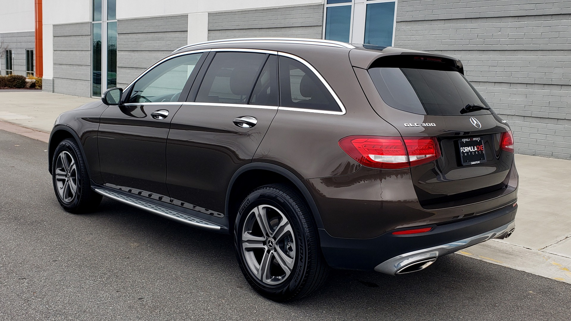 Used 2018 Mercedes-Benz GLC 300 4MATIC / PREM PKG / MULTIMEDIA / PANO-ROOF / BURMESTER for sale $33,995 at Formula Imports in Charlotte NC 28227 3