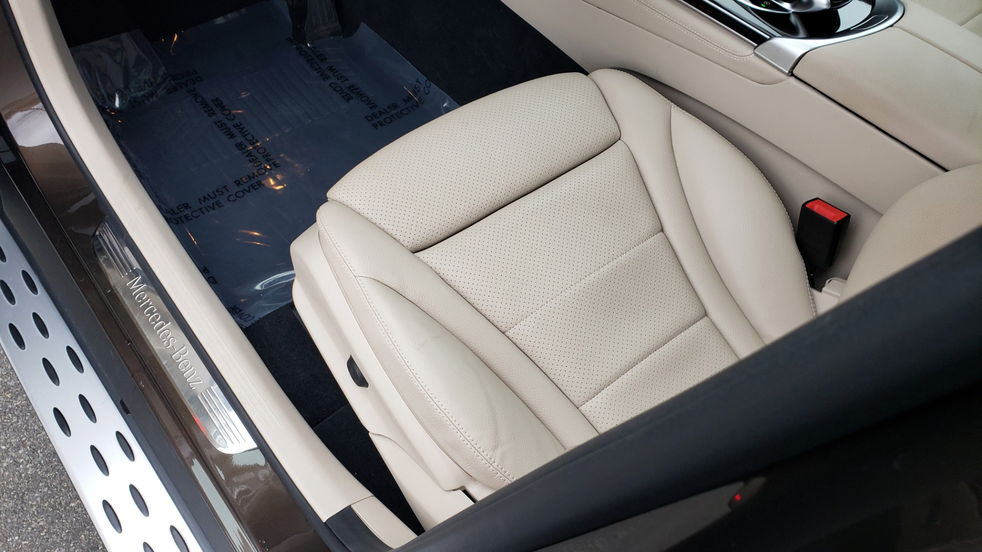 Used 2018 Mercedes-Benz GLC 300 4MATIC / PREM PKG / MULTIMEDIA / PANO-ROOF / BURMESTER for sale $33,995 at Formula Imports in Charlotte NC 28227 30