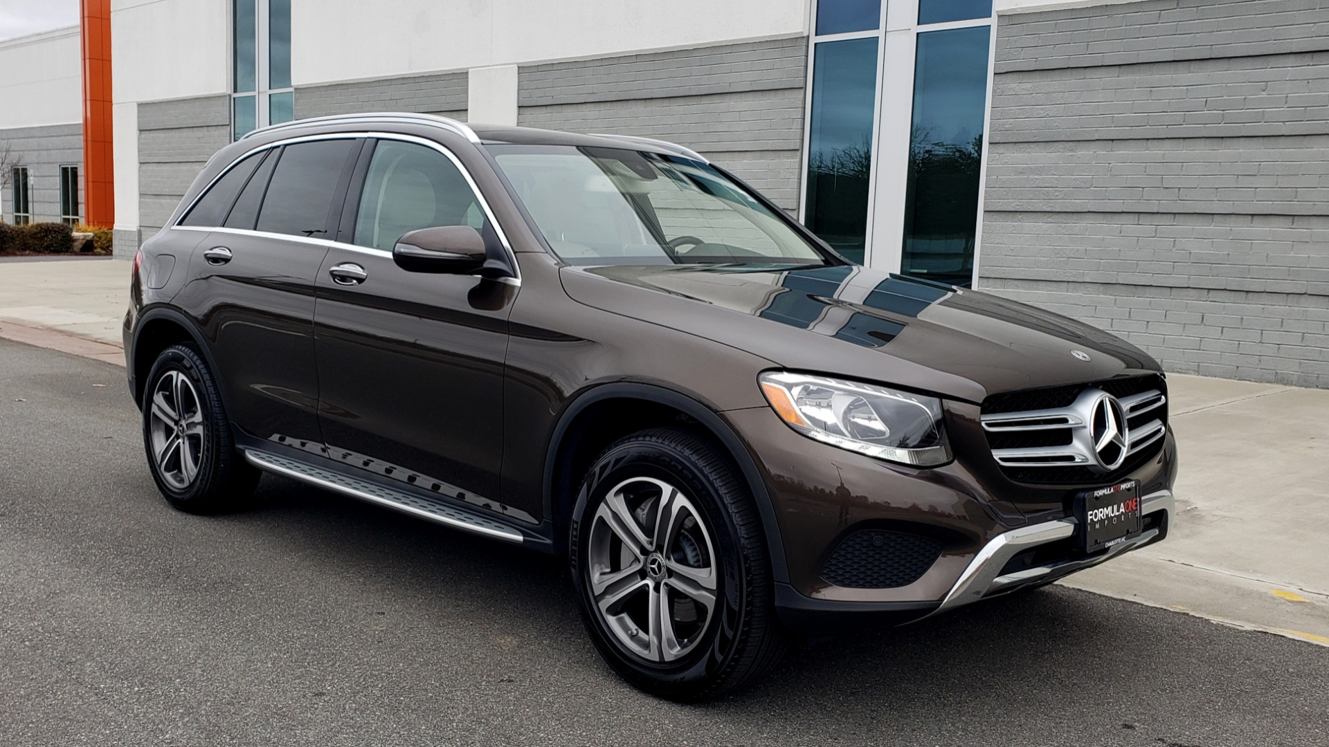 Used 2018 Mercedes-Benz GLC 300 4MATIC / PREM PKG / MULTIMEDIA / PANO-ROOF / BURMESTER for sale $33,995 at Formula Imports in Charlotte NC 28227 4