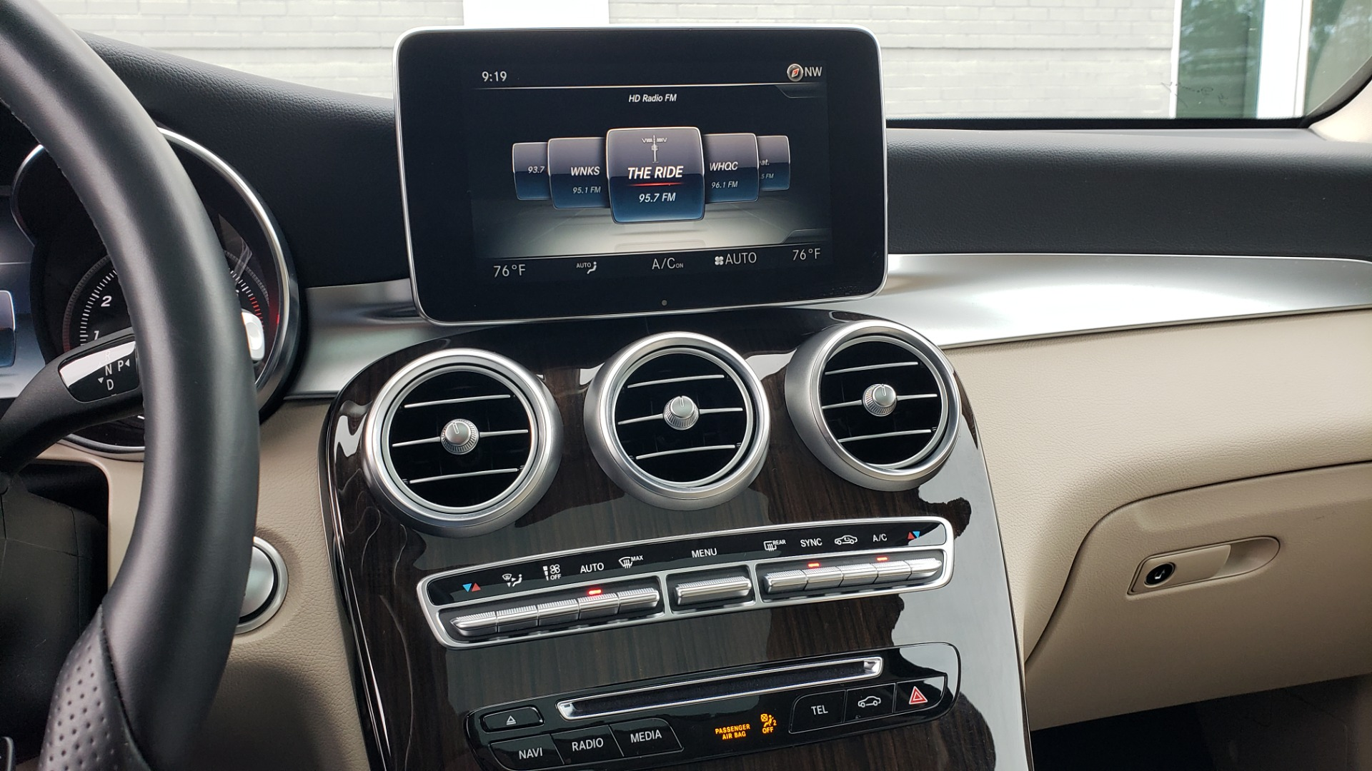 Used 2018 Mercedes-Benz GLC 300 4MATIC / PREM PKG / MULTIMEDIA / PANO-ROOF / BURMESTER for sale $33,995 at Formula Imports in Charlotte NC 28227 42