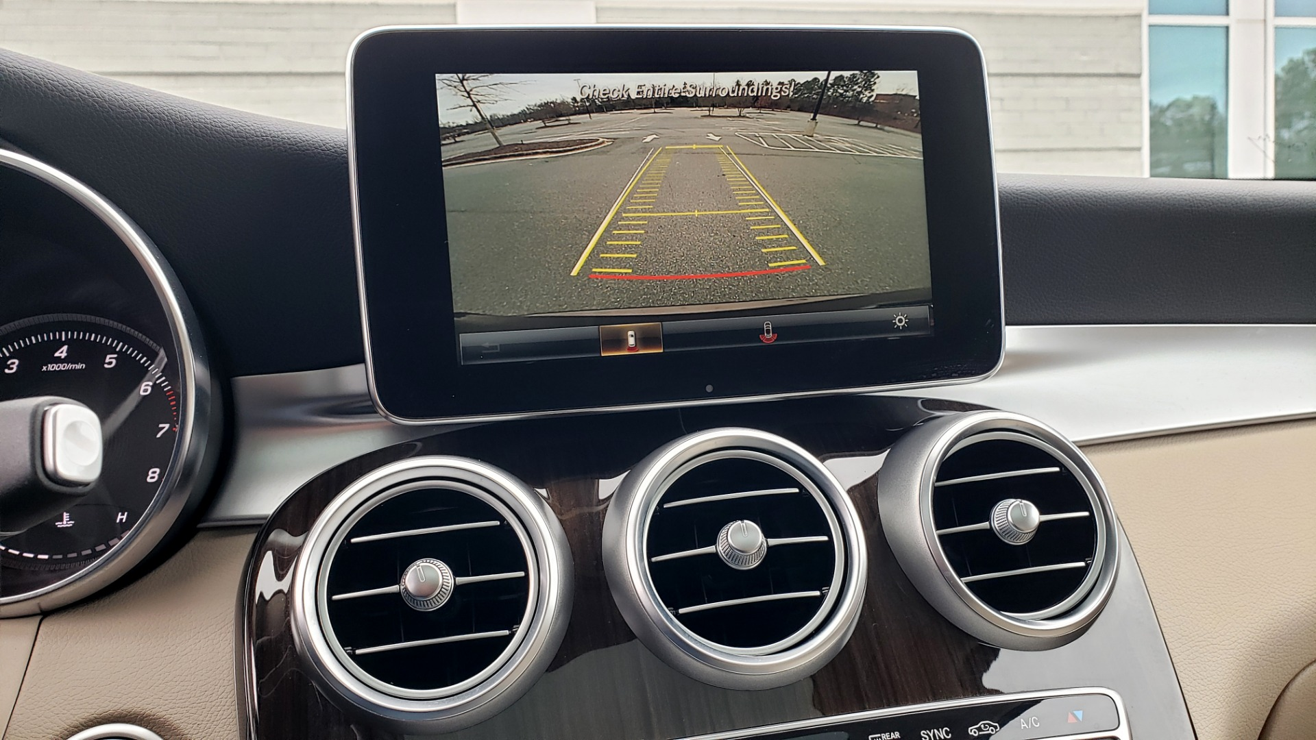 Used 2018 Mercedes-Benz GLC 300 4MATIC / PREM PKG / MULTIMEDIA / PANO-ROOF / BURMESTER for sale $33,995 at Formula Imports in Charlotte NC 28227 43