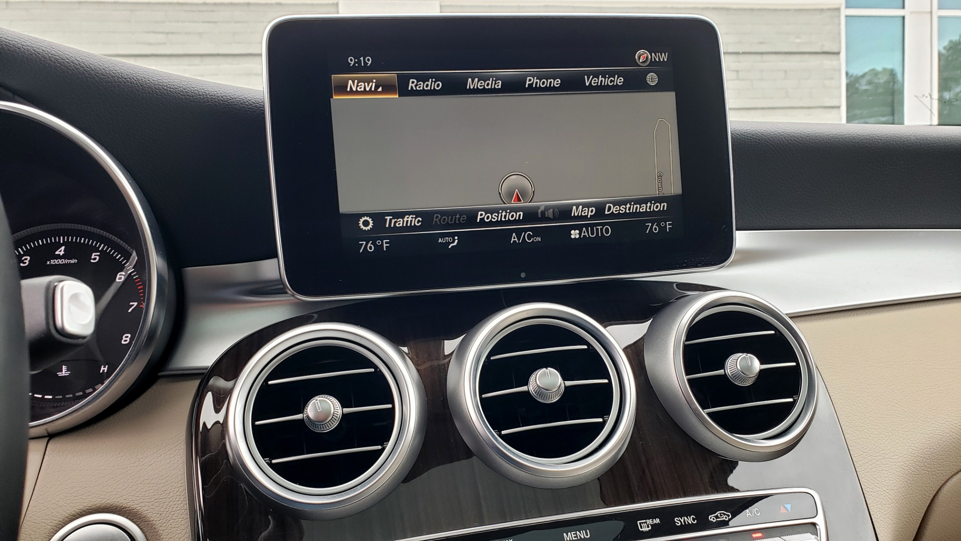 Used 2018 Mercedes-Benz GLC 300 4MATIC / PREM PKG / MULTIMEDIA / PANO-ROOF / BURMESTER for sale $33,995 at Formula Imports in Charlotte NC 28227 44