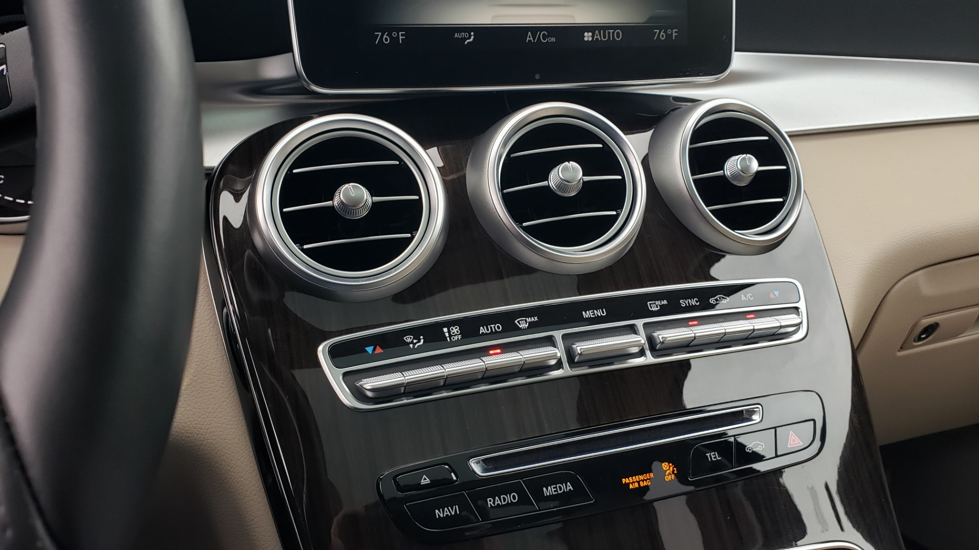 Used 2018 Mercedes-Benz GLC 300 4MATIC / PREM PKG / MULTIMEDIA / PANO-ROOF / BURMESTER for sale $33,995 at Formula Imports in Charlotte NC 28227 46
