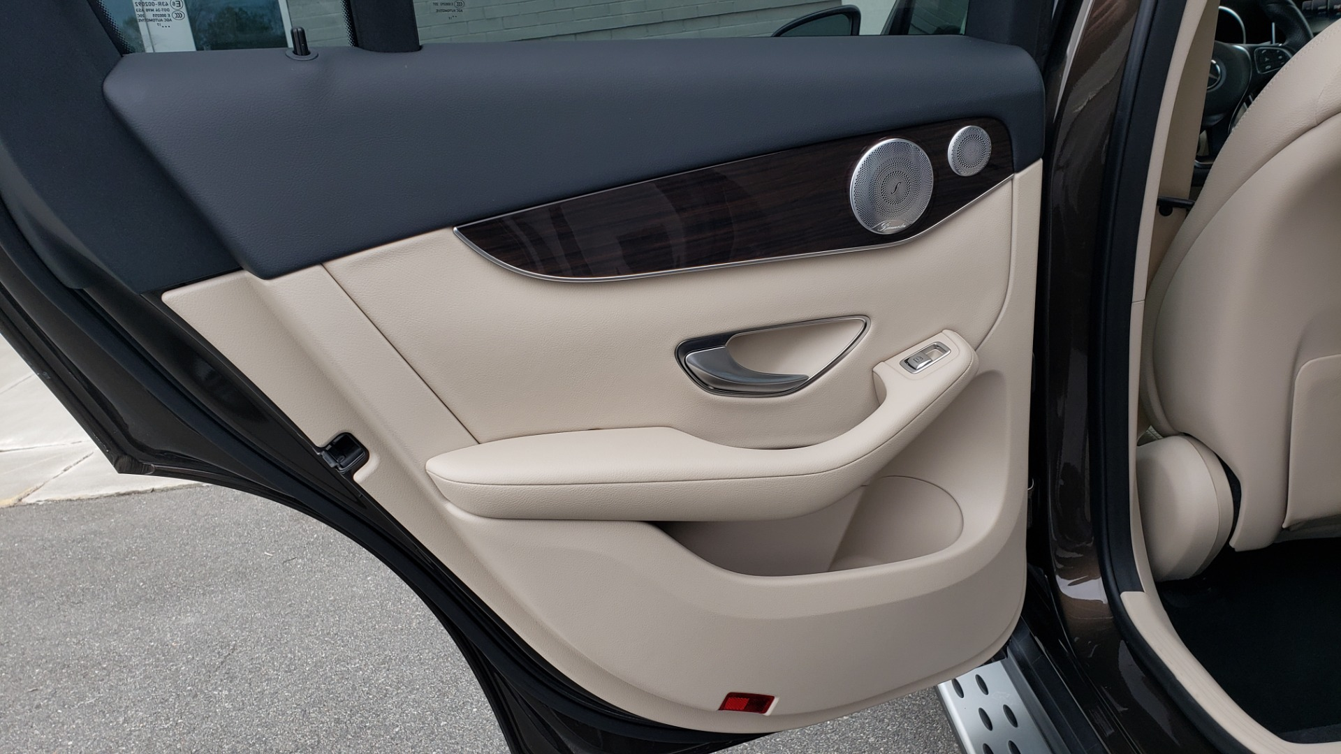 Used 2018 Mercedes-Benz GLC 300 4MATIC / PREM PKG / MULTIMEDIA / PANO-ROOF / BURMESTER for sale $33,995 at Formula Imports in Charlotte NC 28227 55