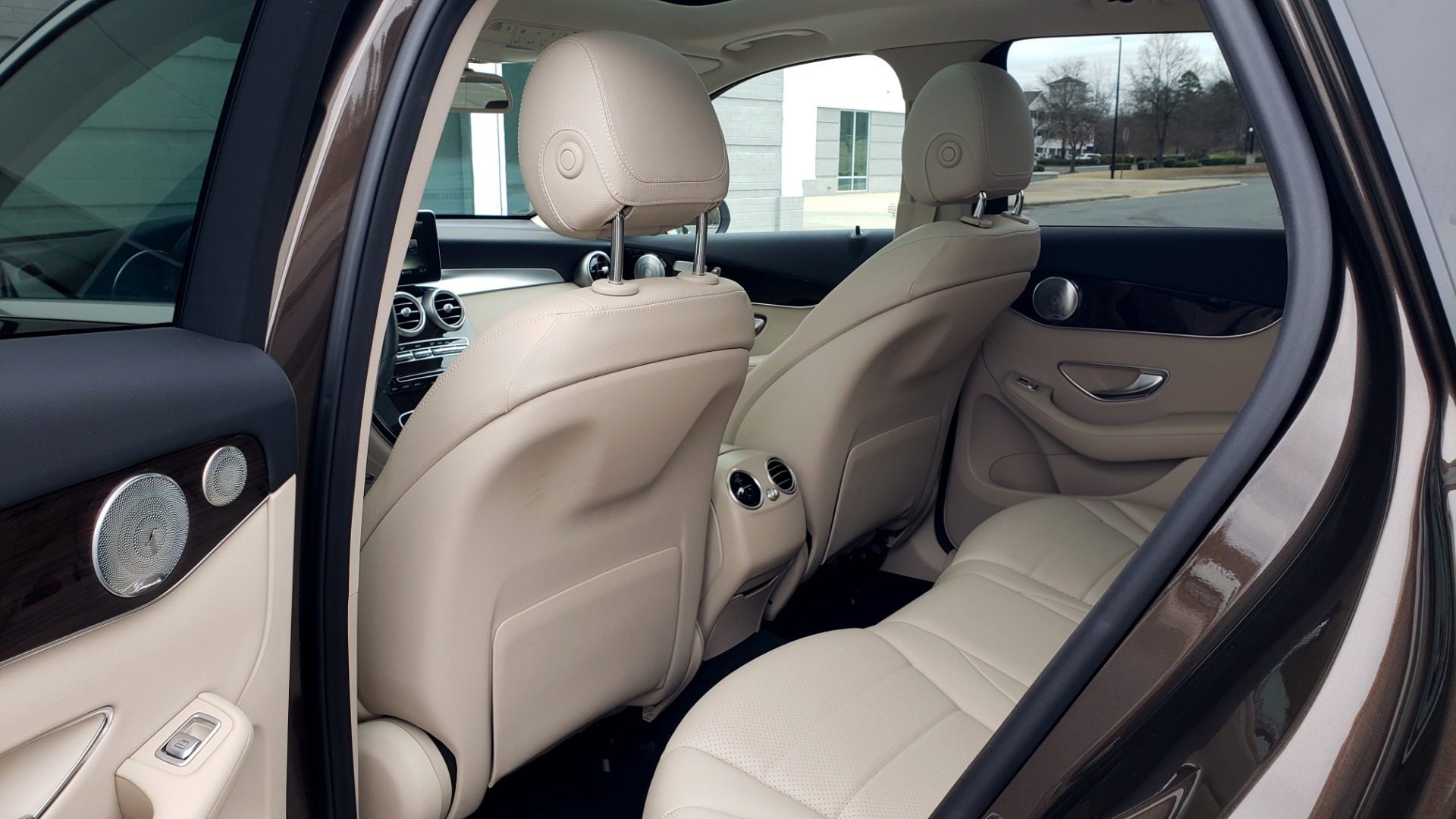 Used 2018 Mercedes-Benz GLC 300 4MATIC / PREM PKG / MULTIMEDIA / PANO-ROOF / BURMESTER for sale $33,995 at Formula Imports in Charlotte NC 28227 58