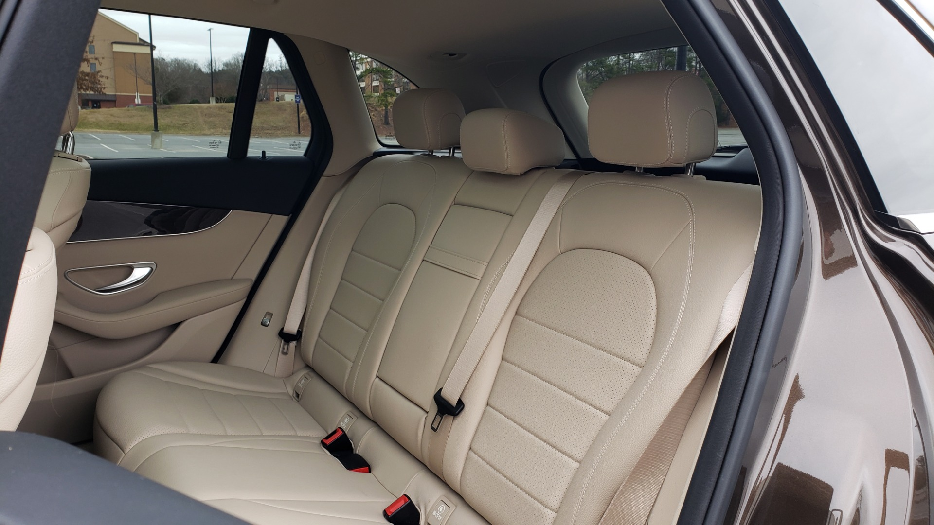 Used 2018 Mercedes-Benz GLC 300 4MATIC / PREM PKG / MULTIMEDIA / PANO-ROOF / BURMESTER for sale $33,995 at Formula Imports in Charlotte NC 28227 59