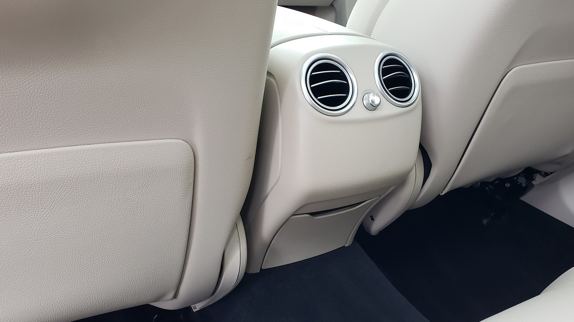 Used 2018 Mercedes-Benz GLC 300 4MATIC / PREM PKG / MULTIMEDIA / PANO-ROOF / BURMESTER for sale $33,995 at Formula Imports in Charlotte NC 28227 60