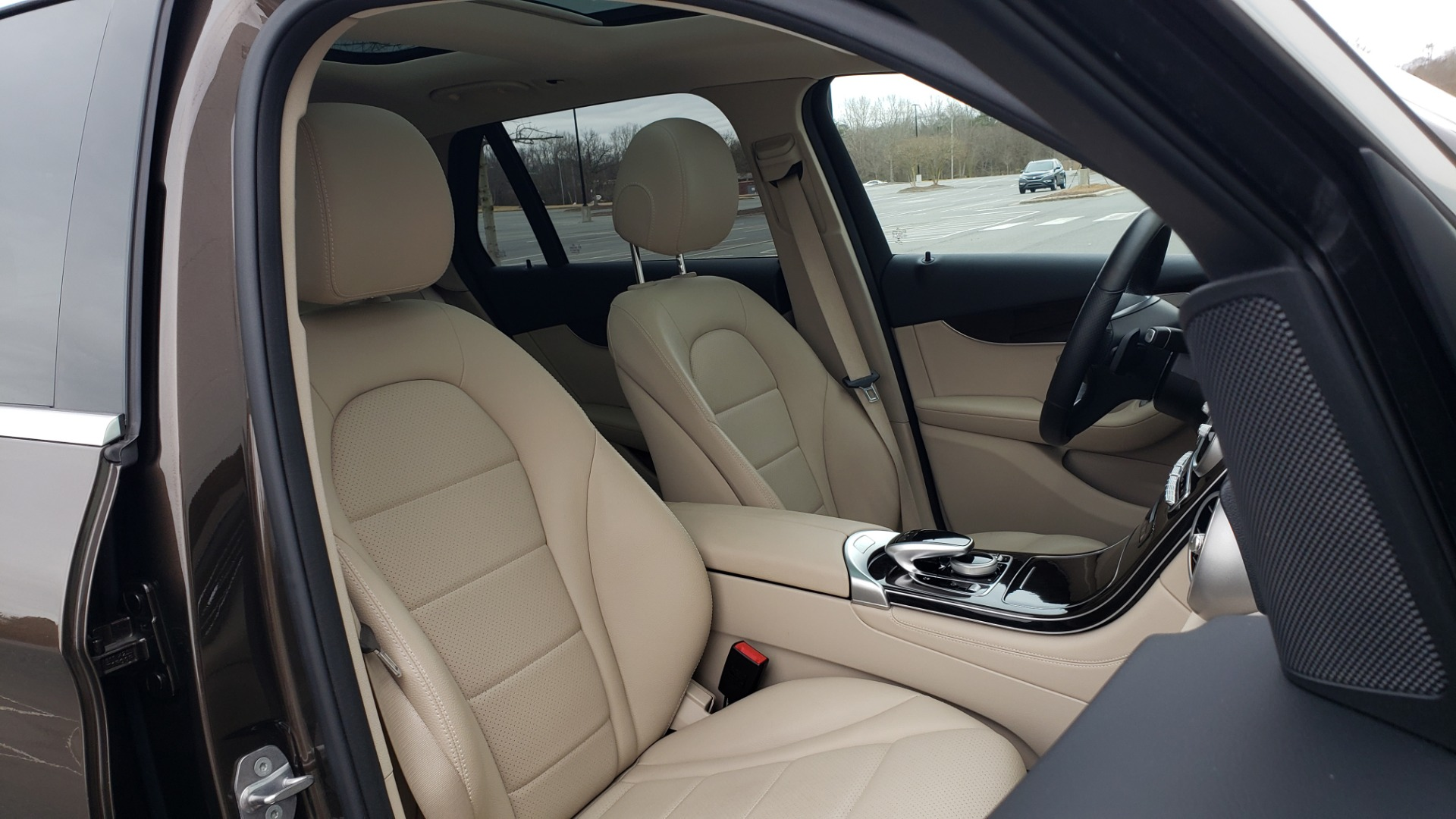 Used 2018 Mercedes-Benz GLC 300 4MATIC / PREM PKG / MULTIMEDIA / PANO-ROOF / BURMESTER for sale $33,995 at Formula Imports in Charlotte NC 28227 64