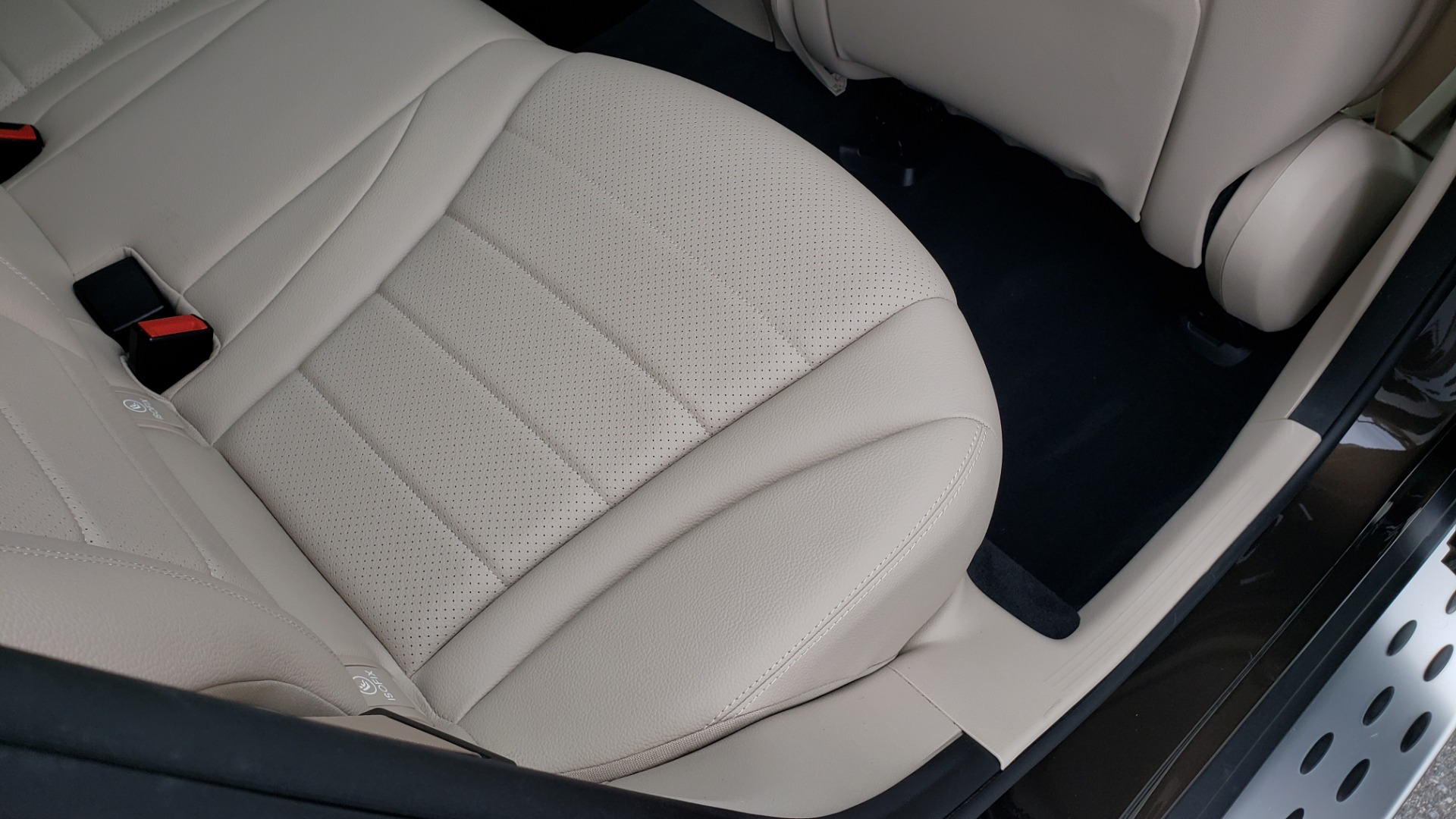 Used 2018 Mercedes-Benz GLC 300 4MATIC / PREM PKG / MULTIMEDIA / PANO-ROOF / BURMESTER for sale $33,995 at Formula Imports in Charlotte NC 28227 70