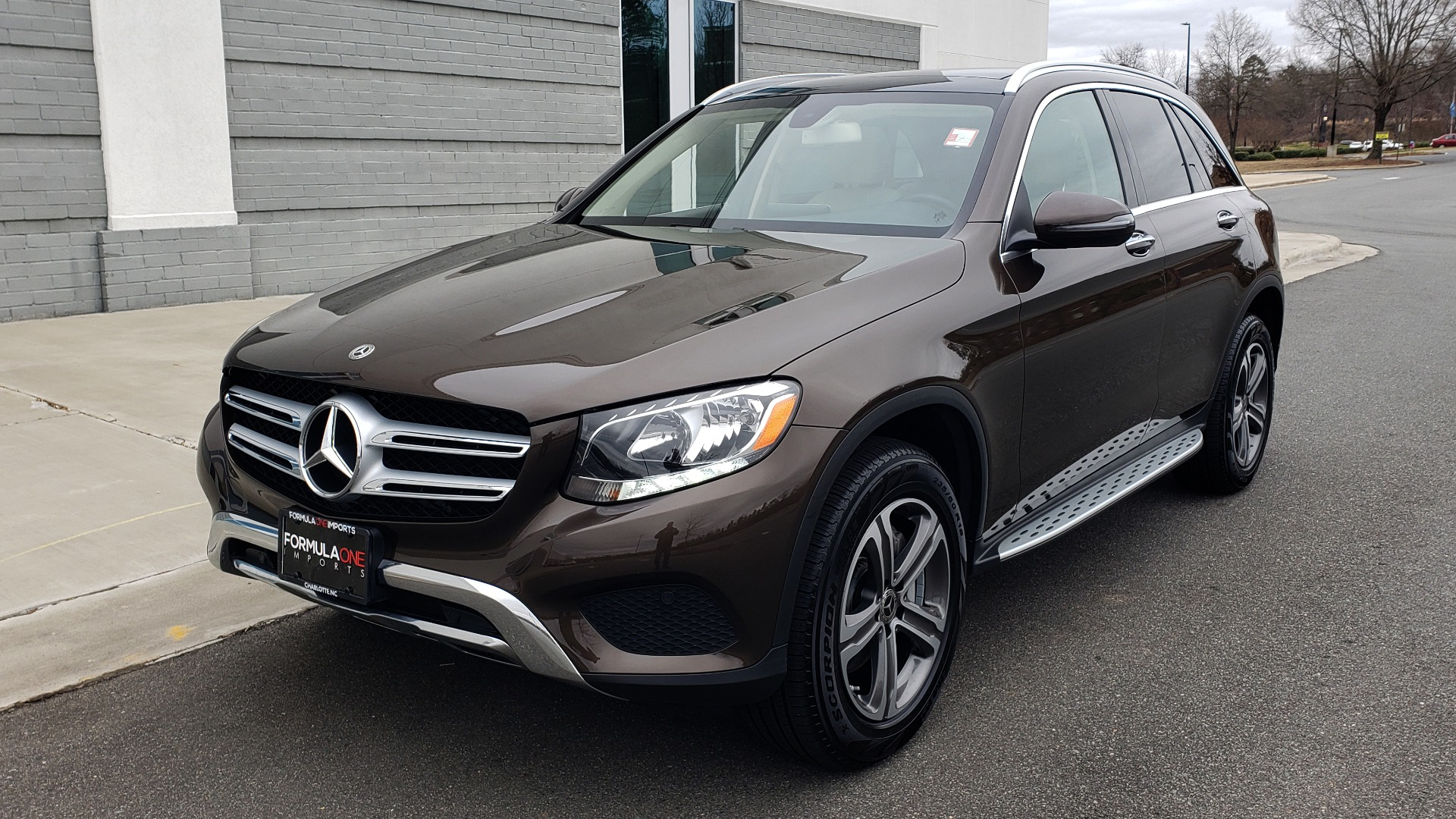 Used 2018 Mercedes-Benz GLC 300 4MATIC / PREM PKG / MULTIMEDIA / PANO-ROOF / BURMESTER for sale $33,995 at Formula Imports in Charlotte NC 28227 1