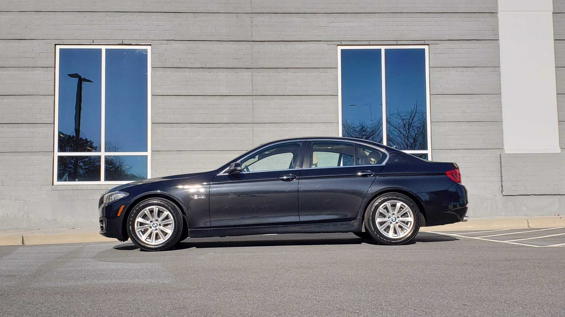 Used 2015 BMW 5 SERIES 528IXDRIVE PREMIUM / CLD WTHR / DRVR ASST PKG / HTD STS for sale Sold at Formula Imports in Charlotte NC 28227 2