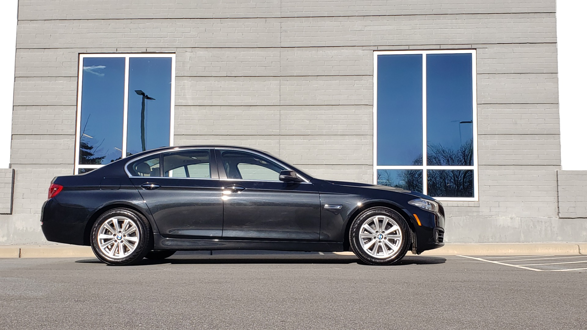 Used 2015 BMW 5 SERIES 528IXDRIVE PREMIUM / CLD WTHR / DRVR ASST PKG / HTD STS for sale Sold at Formula Imports in Charlotte NC 28227 5