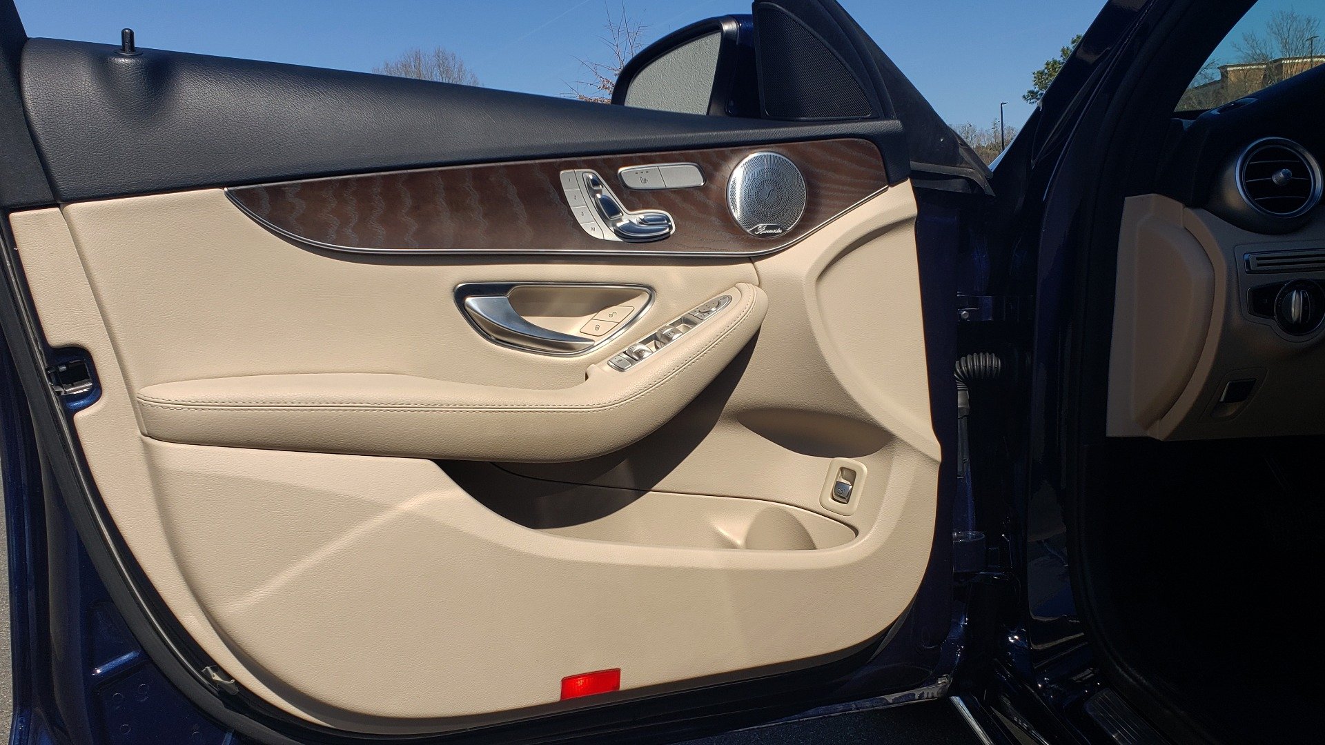 Used 2018 Mercedes-Benz C-CLASS C 300 PREMIUM / SUNROOF / BURMESTER / BSM / REARVIEW for sale $23,995 at Formula Imports in Charlotte NC 28227 26
