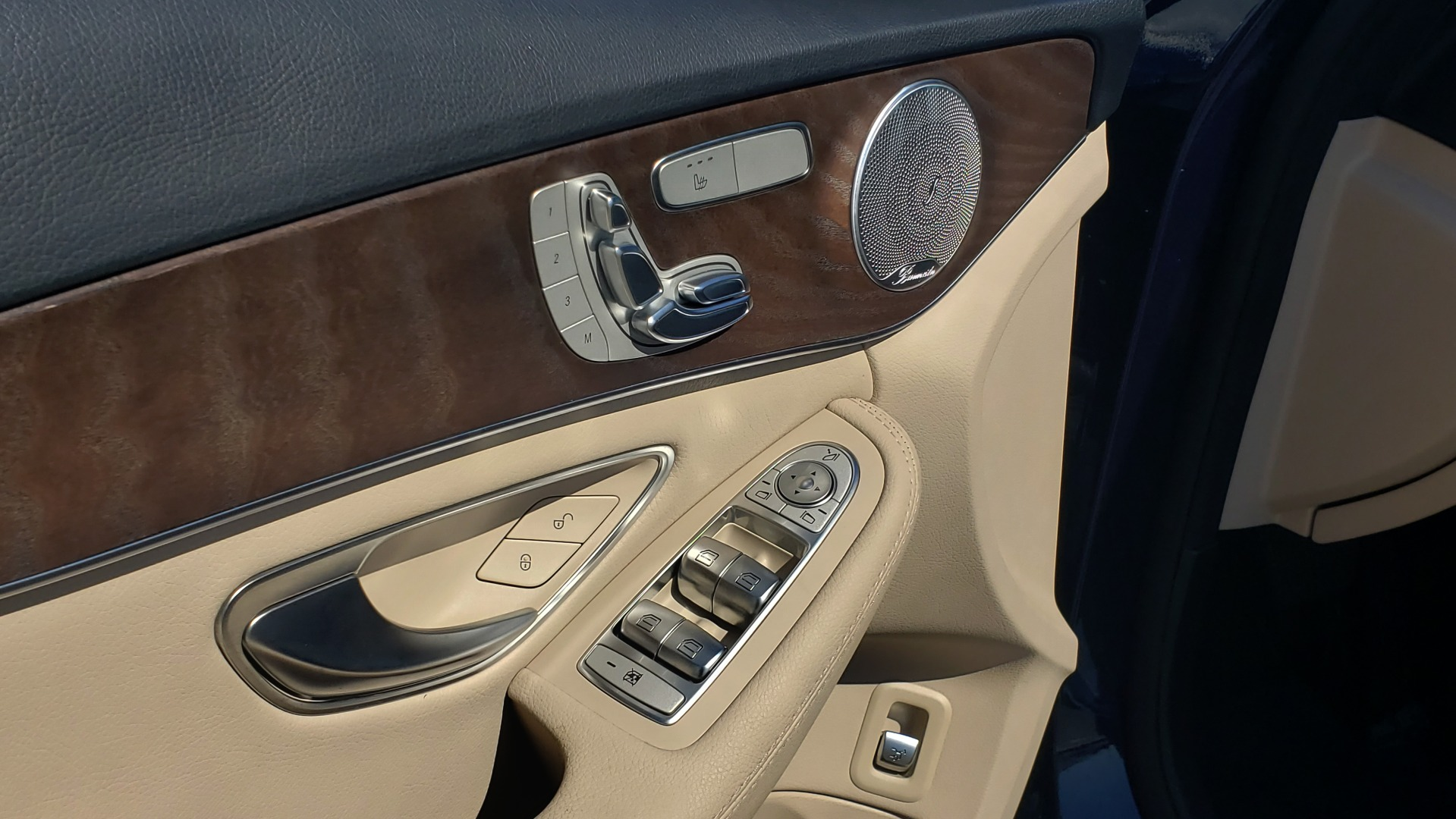 Used 2018 Mercedes-Benz C-CLASS C 300 PREMIUM / SUNROOF / BURMESTER / BSM / REARVIEW for sale $23,995 at Formula Imports in Charlotte NC 28227 27