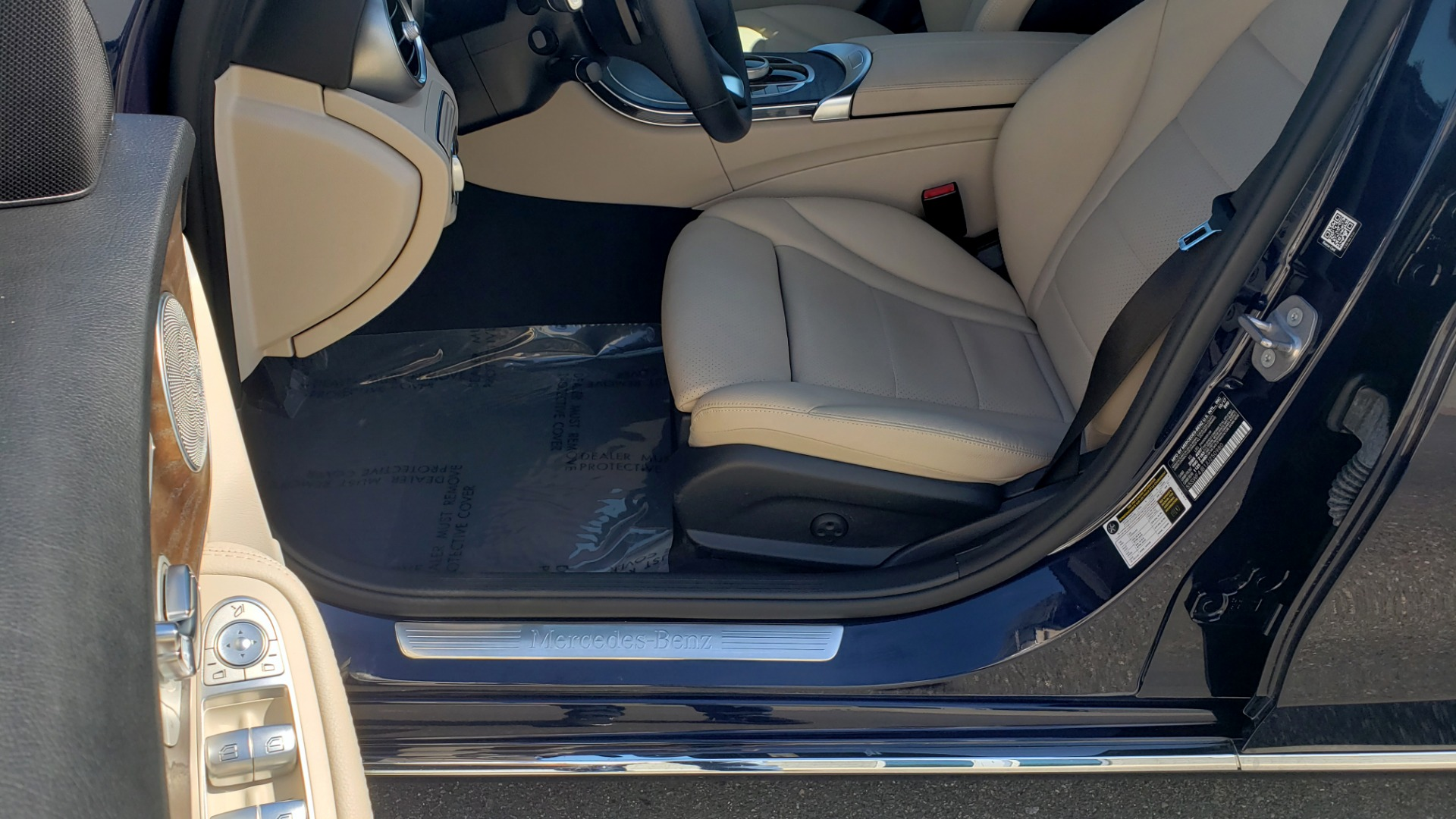 Used 2018 Mercedes-Benz C-CLASS C 300 PREMIUM / SUNROOF / BURMESTER / BSM / REARVIEW for sale $23,995 at Formula Imports in Charlotte NC 28227 29