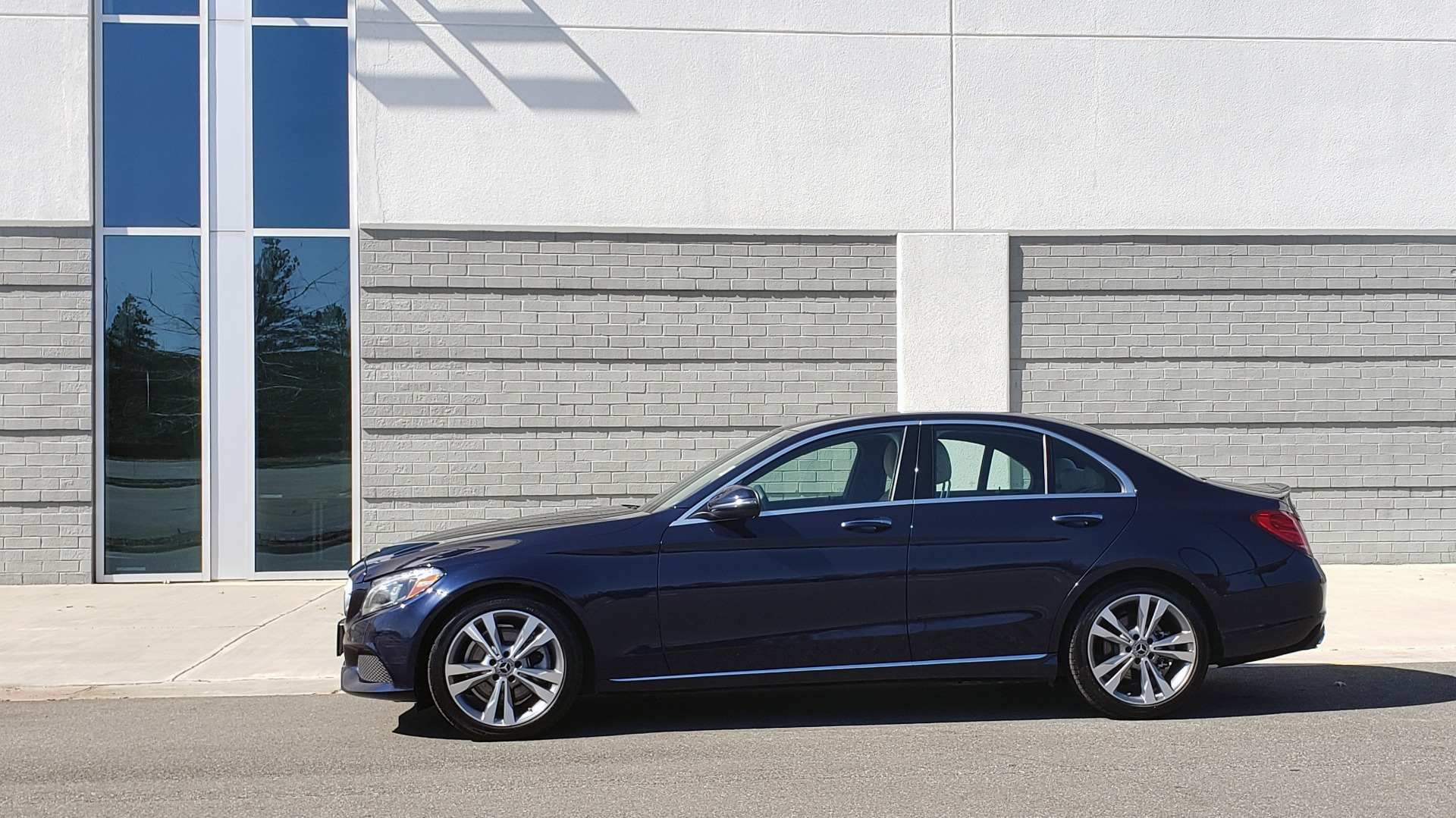 Used 2018 Mercedes-Benz C-CLASS C 300 PREMIUM / SUNROOF / BURMESTER / BSM / REARVIEW for sale $23,995 at Formula Imports in Charlotte NC 28227 3
