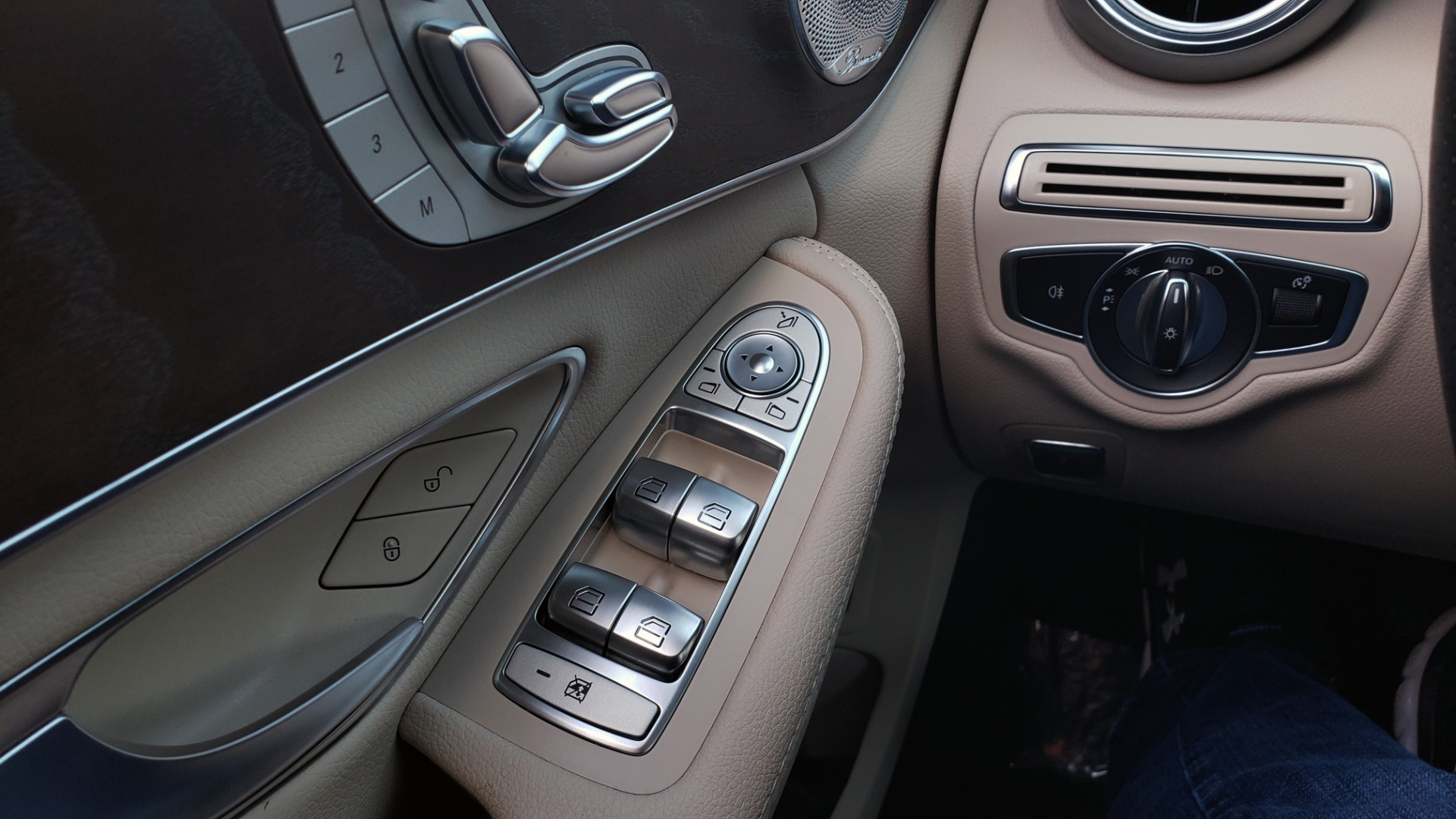 Used 2018 Mercedes-Benz C-CLASS C 300 PREMIUM / SUNROOF / BURMESTER / BSM / REARVIEW for sale $23,995 at Formula Imports in Charlotte NC 28227 32