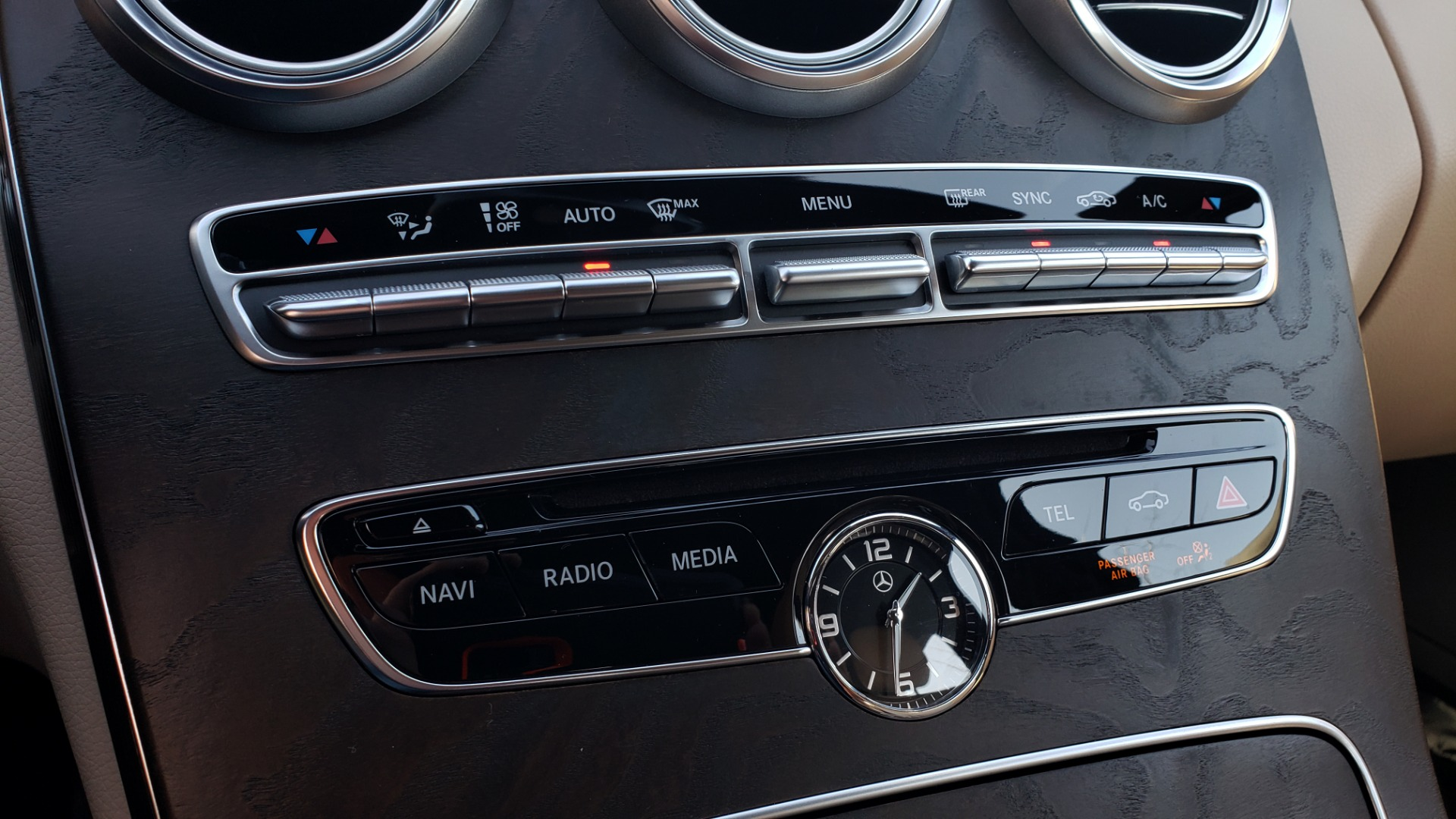 Used 2018 Mercedes-Benz C-CLASS C 300 PREMIUM / SUNROOF / BURMESTER / BSM / REARVIEW for sale $23,995 at Formula Imports in Charlotte NC 28227 42