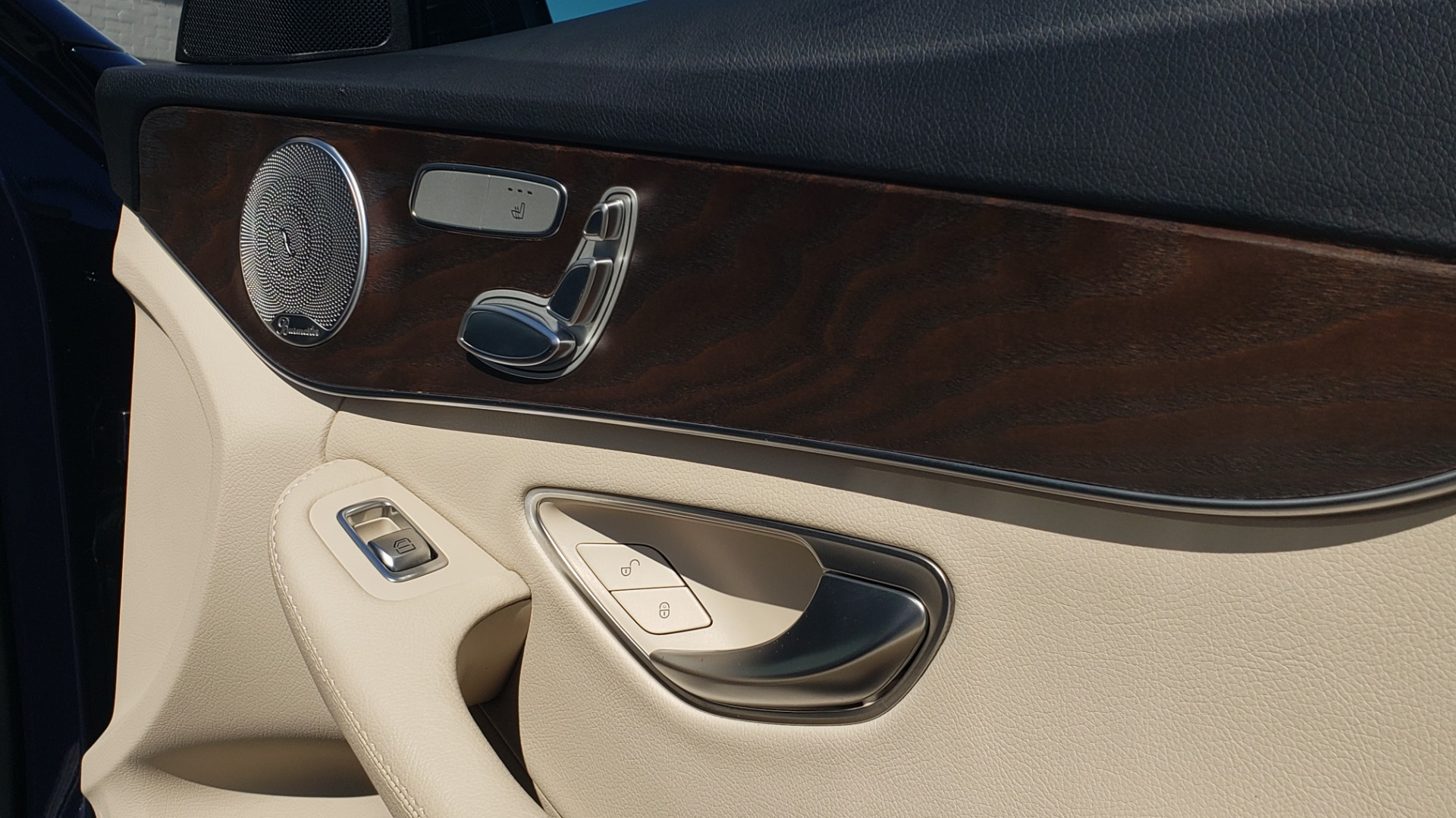 Used 2018 Mercedes-Benz C-CLASS C 300 PREMIUM / SUNROOF / BURMESTER / BSM / REARVIEW for sale $23,995 at Formula Imports in Charlotte NC 28227 57