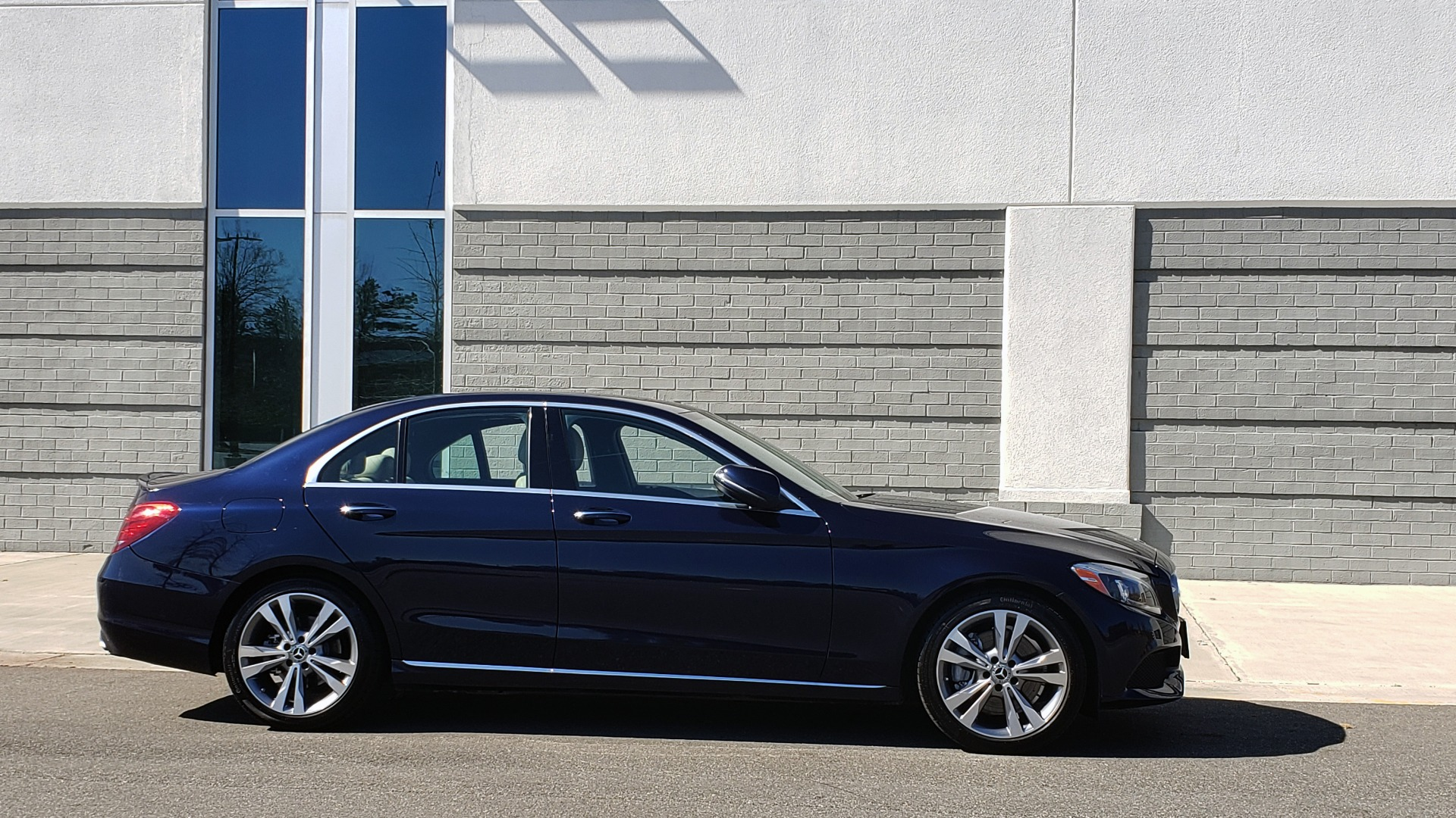 Used 2018 Mercedes-Benz C-CLASS C 300 PREMIUM / SUNROOF / BURMESTER / BSM / REARVIEW for sale $23,995 at Formula Imports in Charlotte NC 28227 6