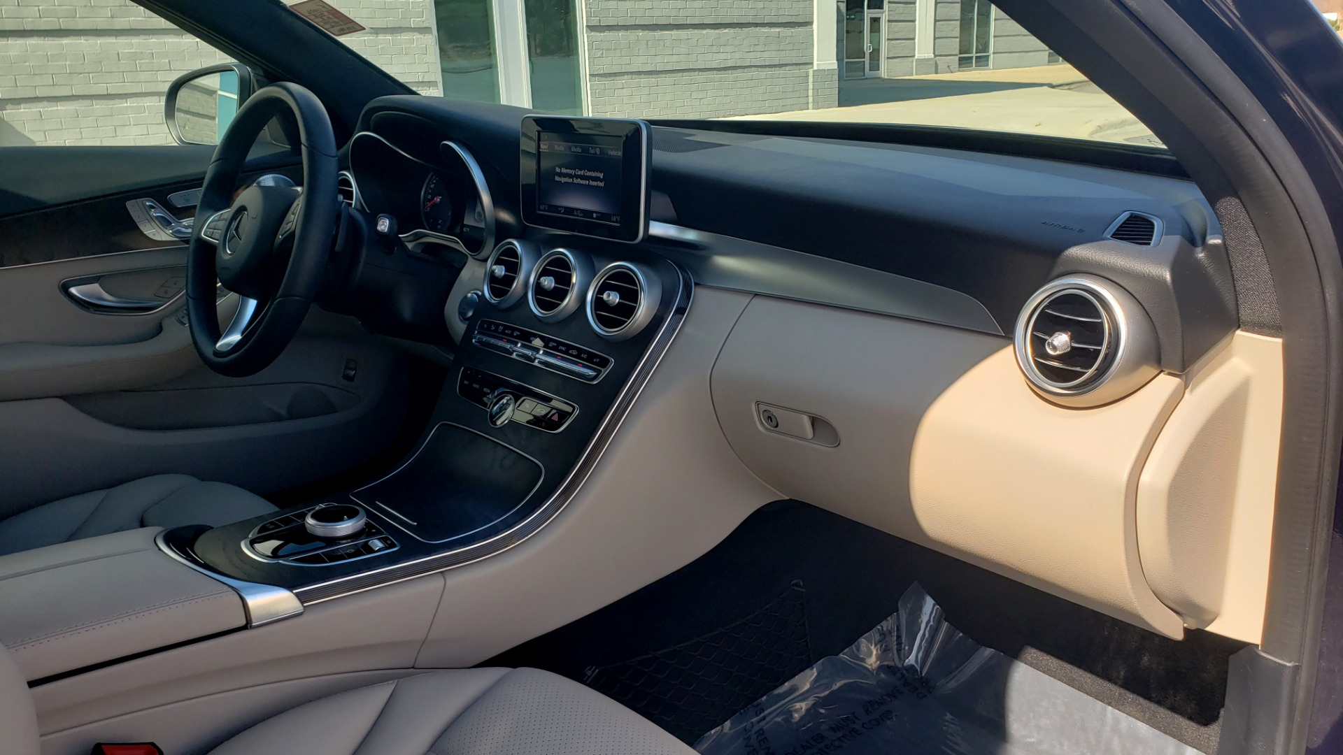 Used 2018 Mercedes-Benz C-CLASS C 300 PREMIUM / SUNROOF / BURMESTER / BSM / REARVIEW for sale $23,995 at Formula Imports in Charlotte NC 28227 60