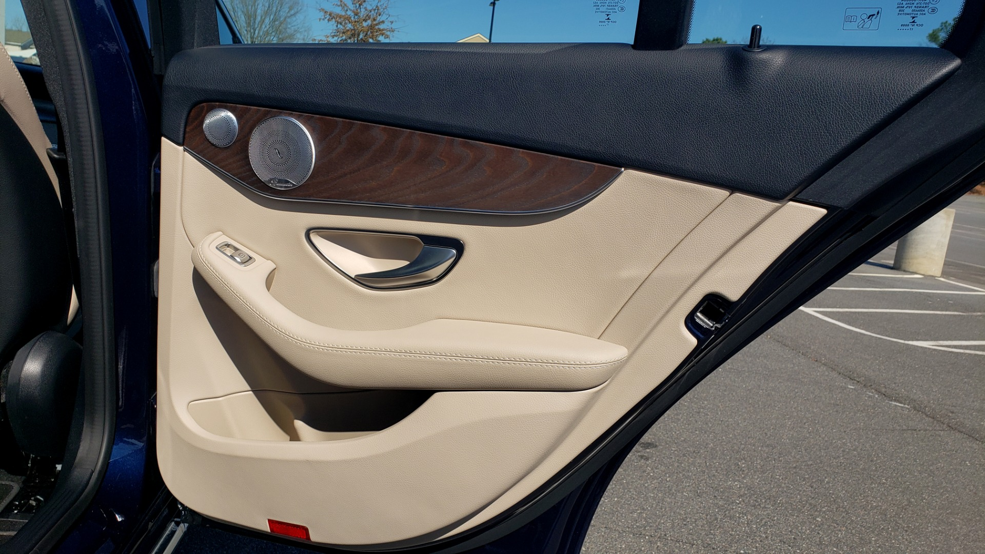Used 2018 Mercedes-Benz C-CLASS C 300 PREMIUM / SUNROOF / BURMESTER / BSM / REARVIEW for sale $23,995 at Formula Imports in Charlotte NC 28227 61