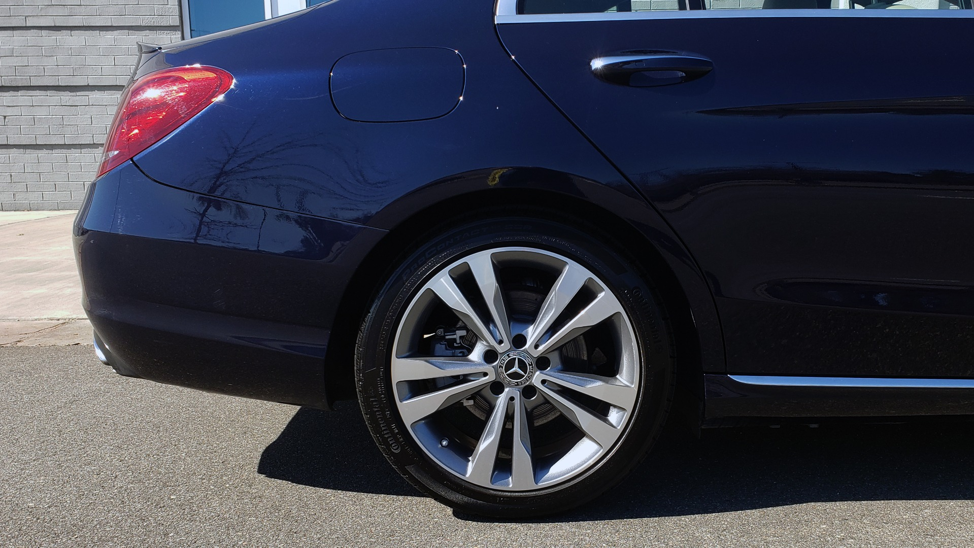 Used 2018 Mercedes-Benz C-CLASS C 300 PREMIUM / SUNROOF / BURMESTER / BSM / REARVIEW for sale $23,995 at Formula Imports in Charlotte NC 28227 72