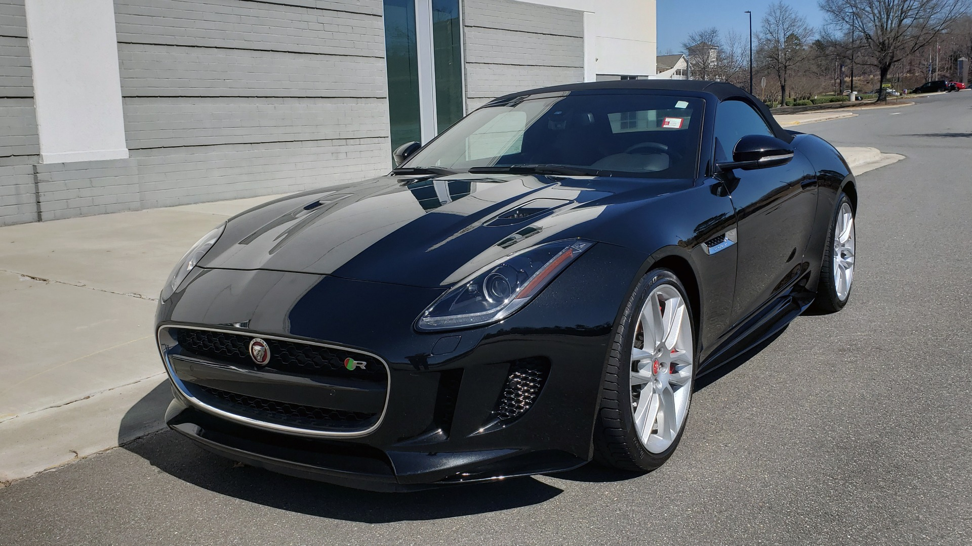 Used 2016 Jaguar F-TYPE R CONVERTIBLE / SC 5.0L 550HP / VISION PACK 3 / BSM / REARVIEW for sale $63,000 at Formula Imports in Charlotte NC 28227 2