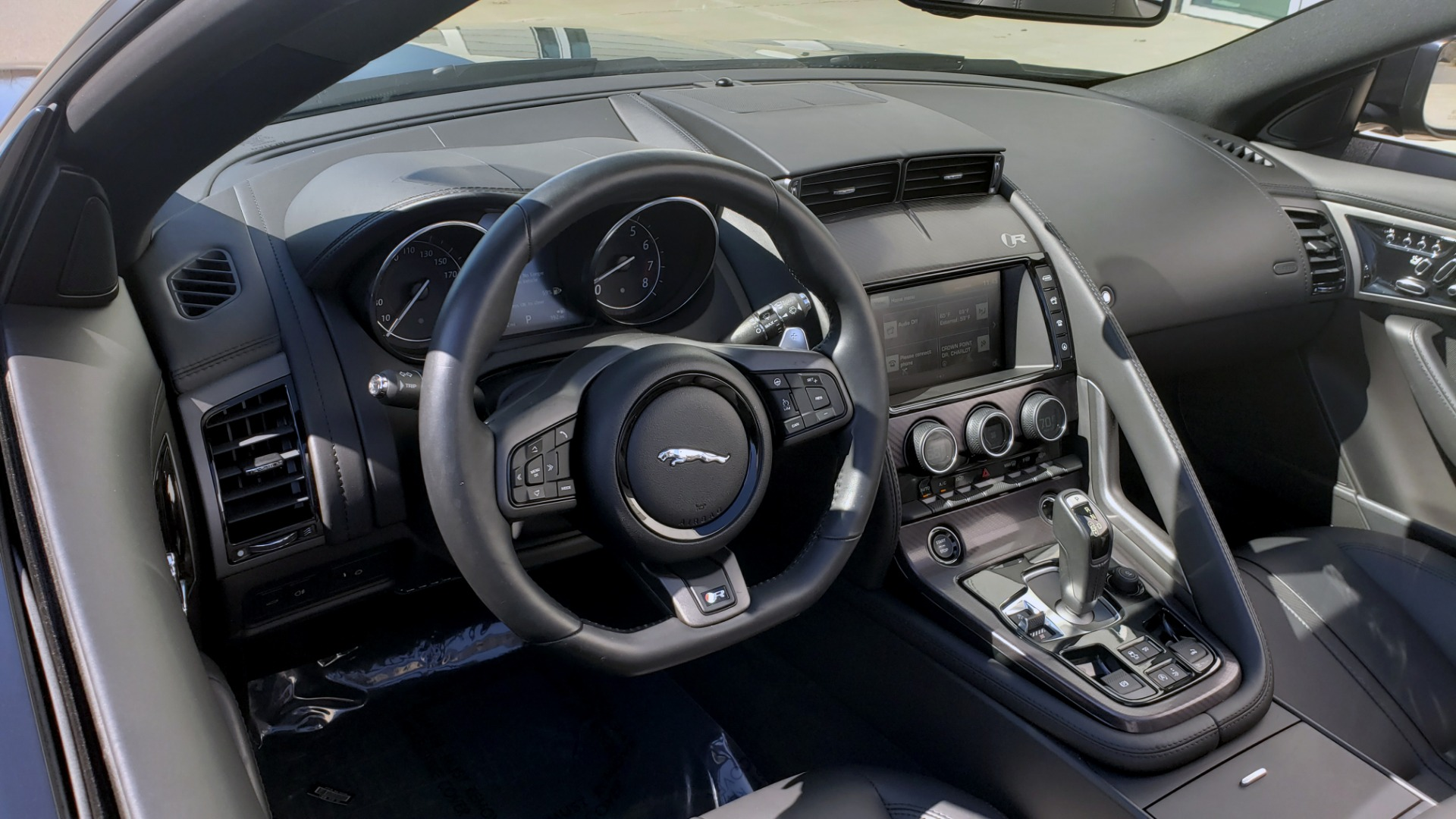 Used 2016 Jaguar F-TYPE R CONVERTIBLE / SC 5.0L 550HP / VISION PACK 3 / BSM / REARVIEW for sale $63,000 at Formula Imports in Charlotte NC 28227 20