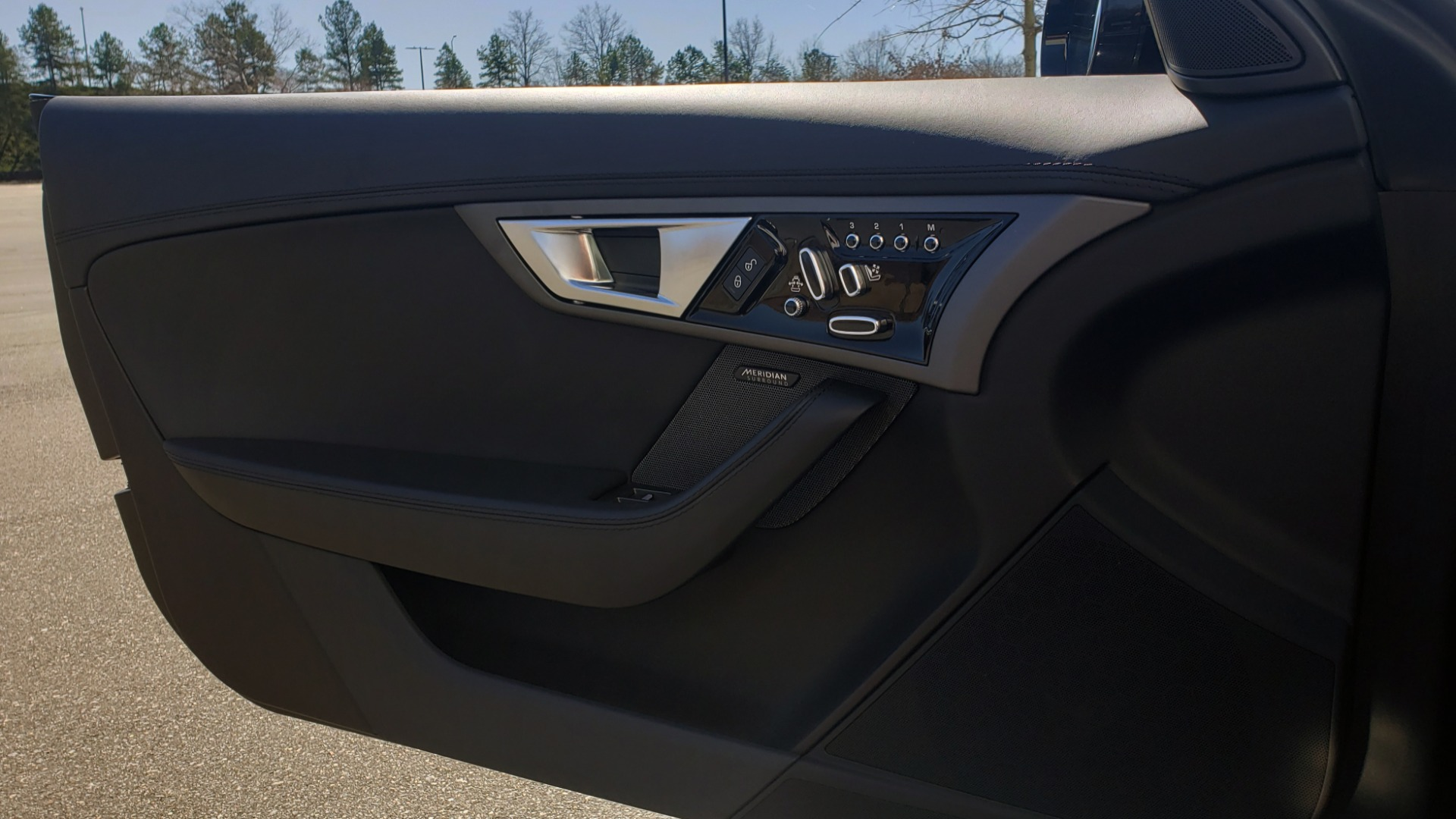 Used 2016 Jaguar F-TYPE R CONVERTIBLE / SC 5.0L 550HP / VISION PACK 3 / BSM / REARVIEW for sale $63,000 at Formula Imports in Charlotte NC 28227 25