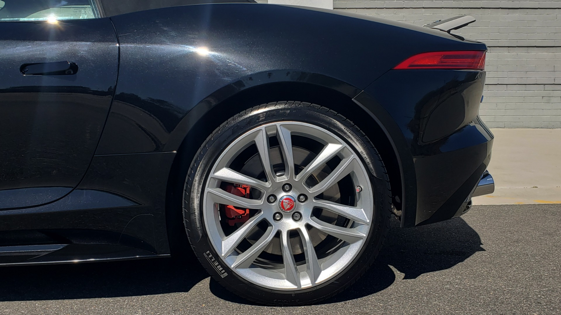 Used 2016 Jaguar F-TYPE R CONVERTIBLE / SC 5.0L 550HP / VISION PACK 3 / BSM / REARVIEW for sale $63,000 at Formula Imports in Charlotte NC 28227 45