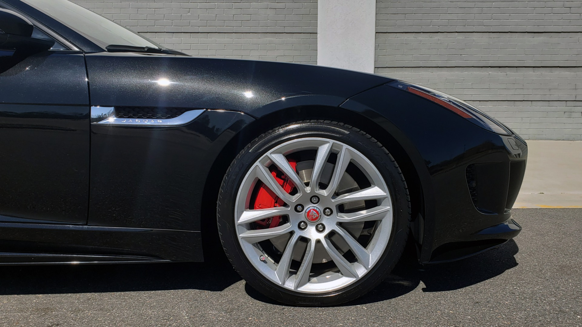 Used 2016 Jaguar F-TYPE R CONVERTIBLE / SC 5.0L 550HP / VISION PACK 3 / BSM / REARVIEW for sale $63,000 at Formula Imports in Charlotte NC 28227 47
