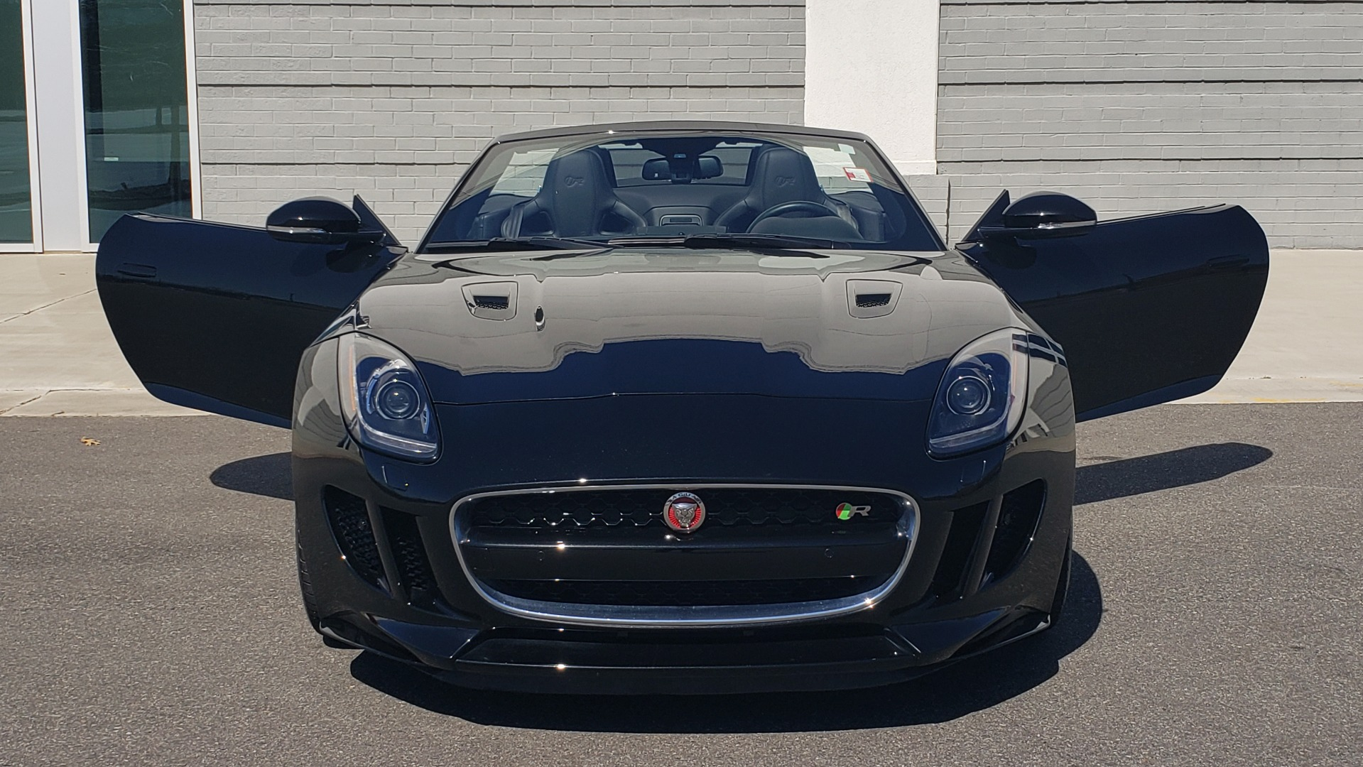 Used 2016 Jaguar F-TYPE R CONVERTIBLE / SC 5.0L 550HP / VISION PACK 3 / BSM / REARVIEW for sale $63,000 at Formula Imports in Charlotte NC 28227 58