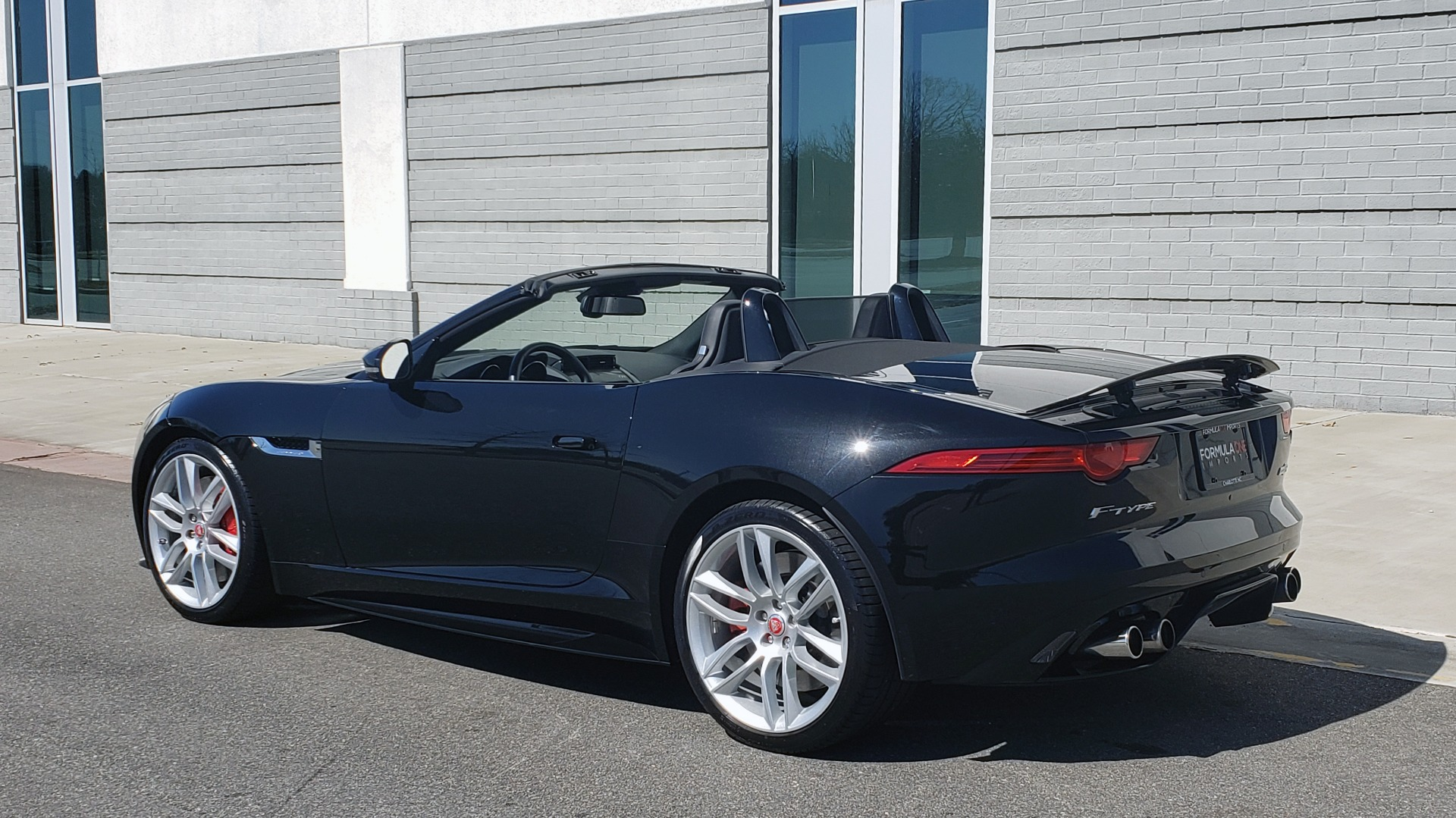 Used 2016 Jaguar F-TYPE R CONVERTIBLE / SC 5.0L 550HP / VISION PACK 3 / BSM / REARVIEW for sale $63,000 at Formula Imports in Charlotte NC 28227 6