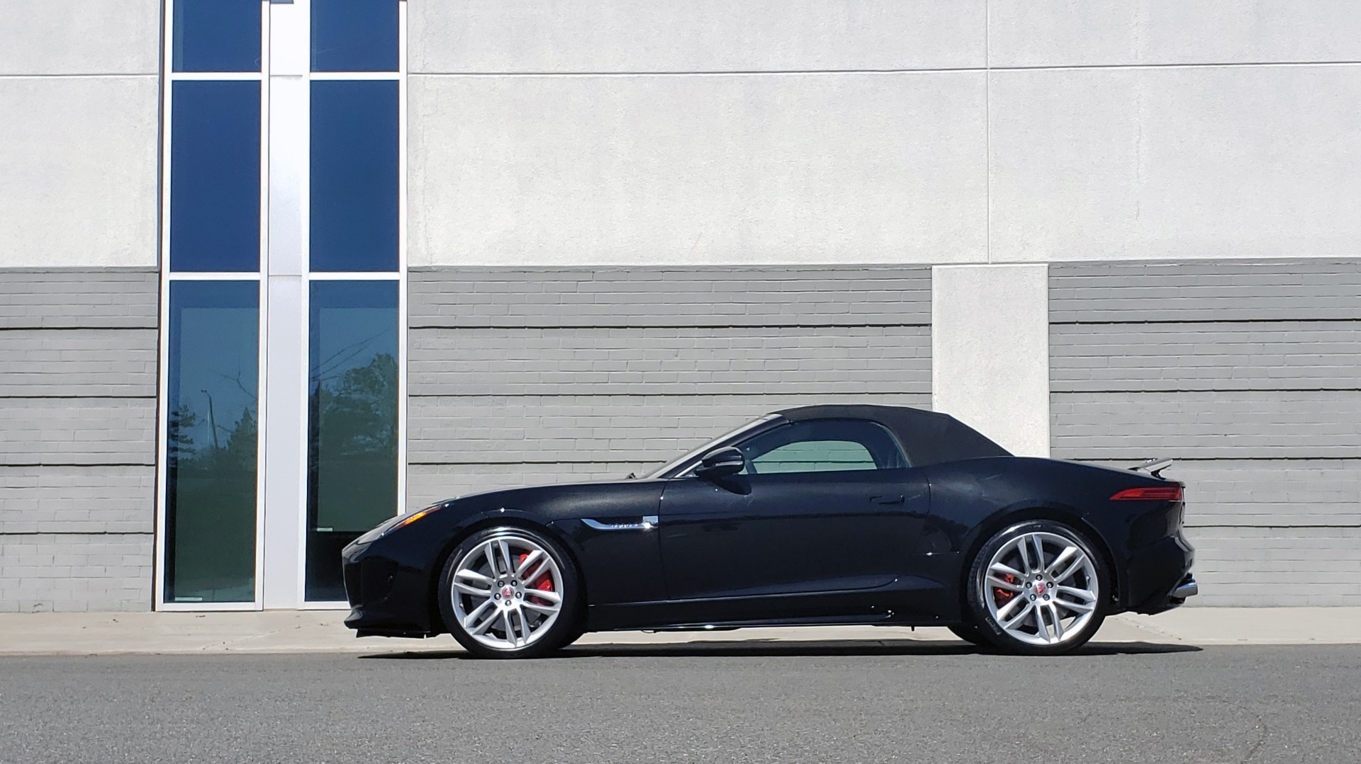 Used 2016 Jaguar F-TYPE R CONVERTIBLE / SC 5.0L 550HP / VISION PACK 3 / BSM / REARVIEW for sale $63,000 at Formula Imports in Charlotte NC 28227 7