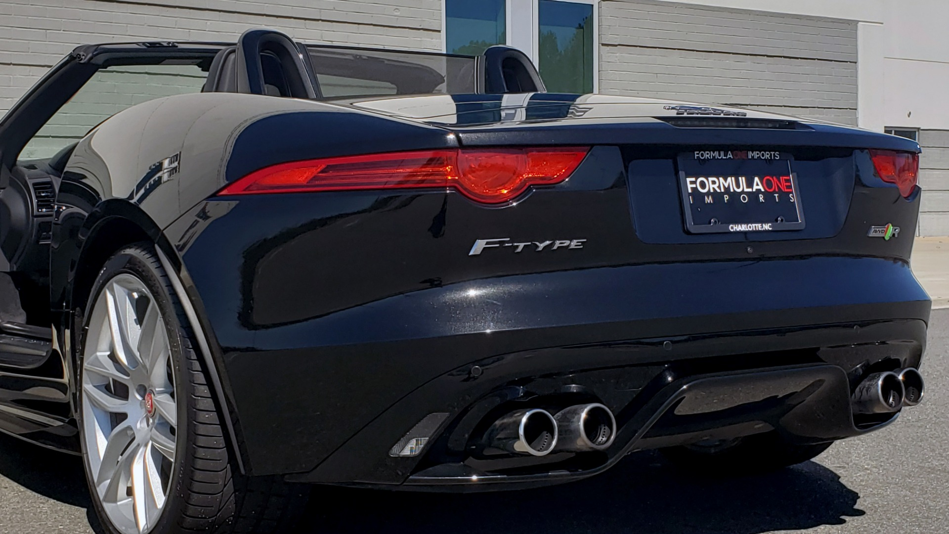 Used 2016 Jaguar F-TYPE R CONVERTIBLE / SC 5.0L 550HP / VISION PACK 3 / BSM / REARVIEW for sale $63,000 at Formula Imports in Charlotte NC 28227 76