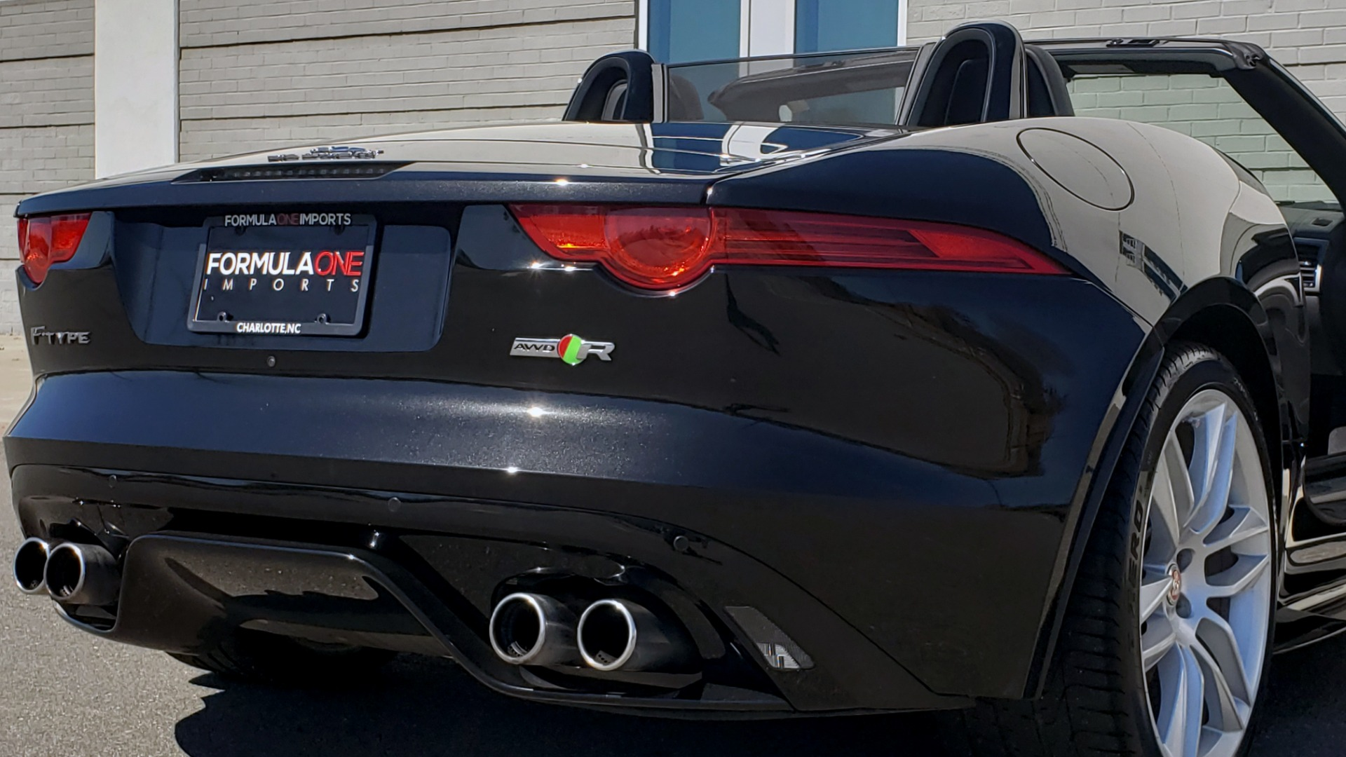 Used 2016 Jaguar F-TYPE R CONVERTIBLE / SC 5.0L 550HP / VISION PACK 3 / BSM / REARVIEW for sale $63,000 at Formula Imports in Charlotte NC 28227 77